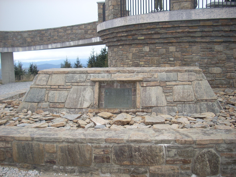File:Elisha Mitchell\'s tomb, Mount Mitchell (Yancey County, Northbalance of yancey county