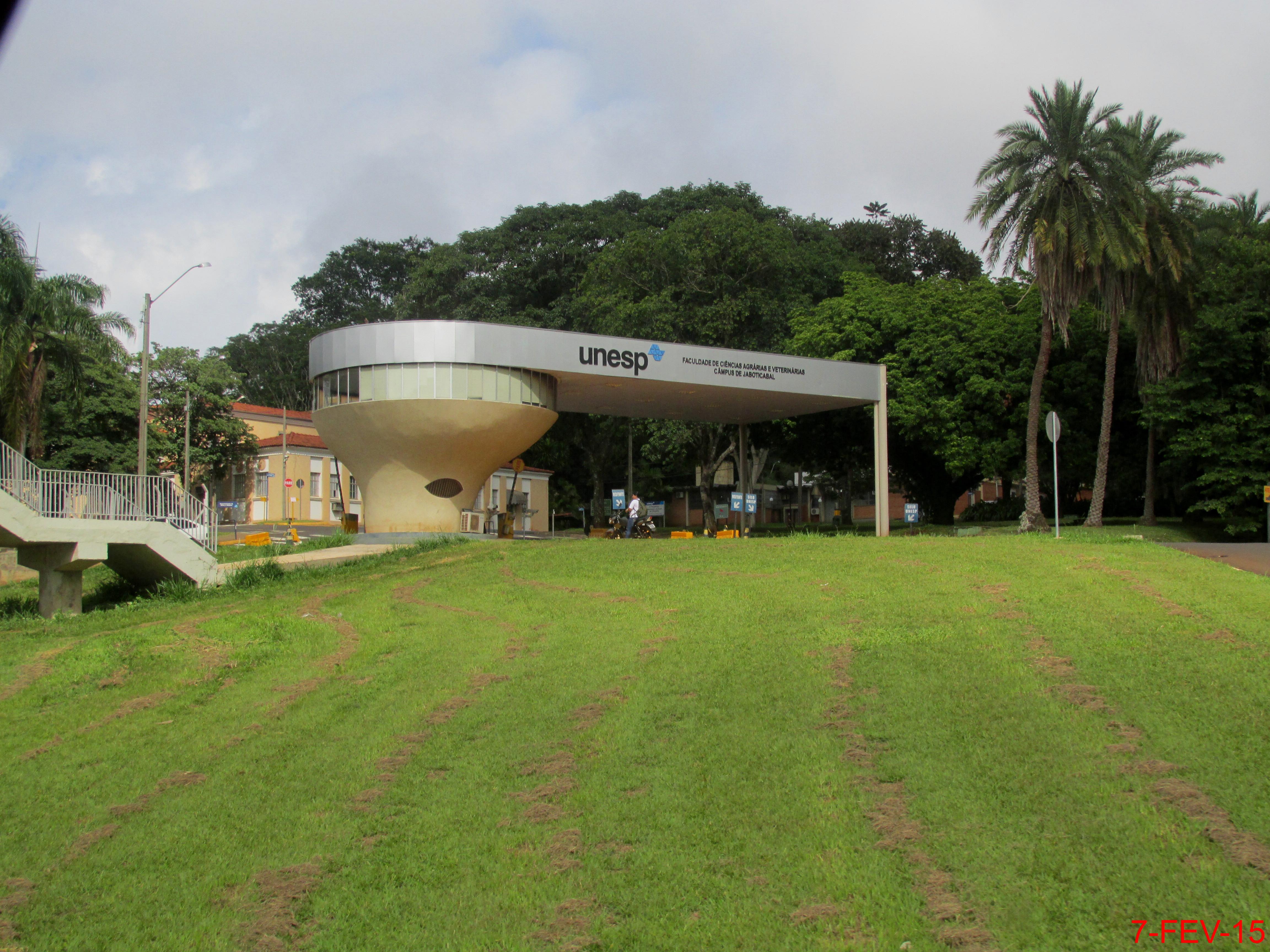 bab1940b33fa8 File Faculdade de Ciências agrárias e Veterinárias, Campos da UNESP em  Jaboticabal. A entrada do Campus da Unesp está no km 5,6 da Via de Acesso  Prof.