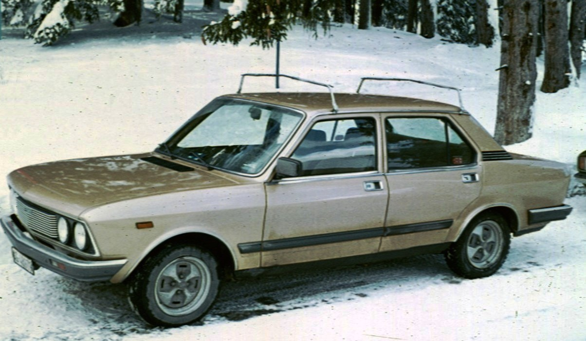 File:Fiat 132 post face lift with lots of snow.jpg