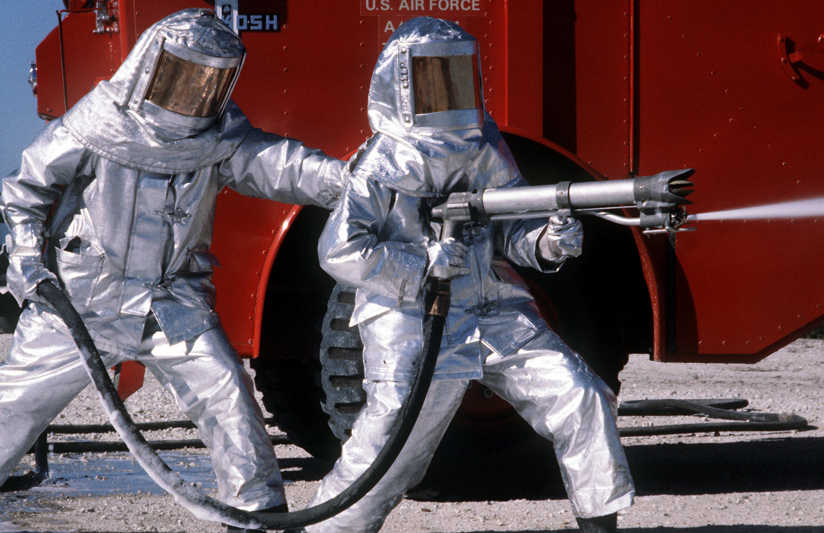 728fdfb712ae Fire proximity suit - Wikipedia