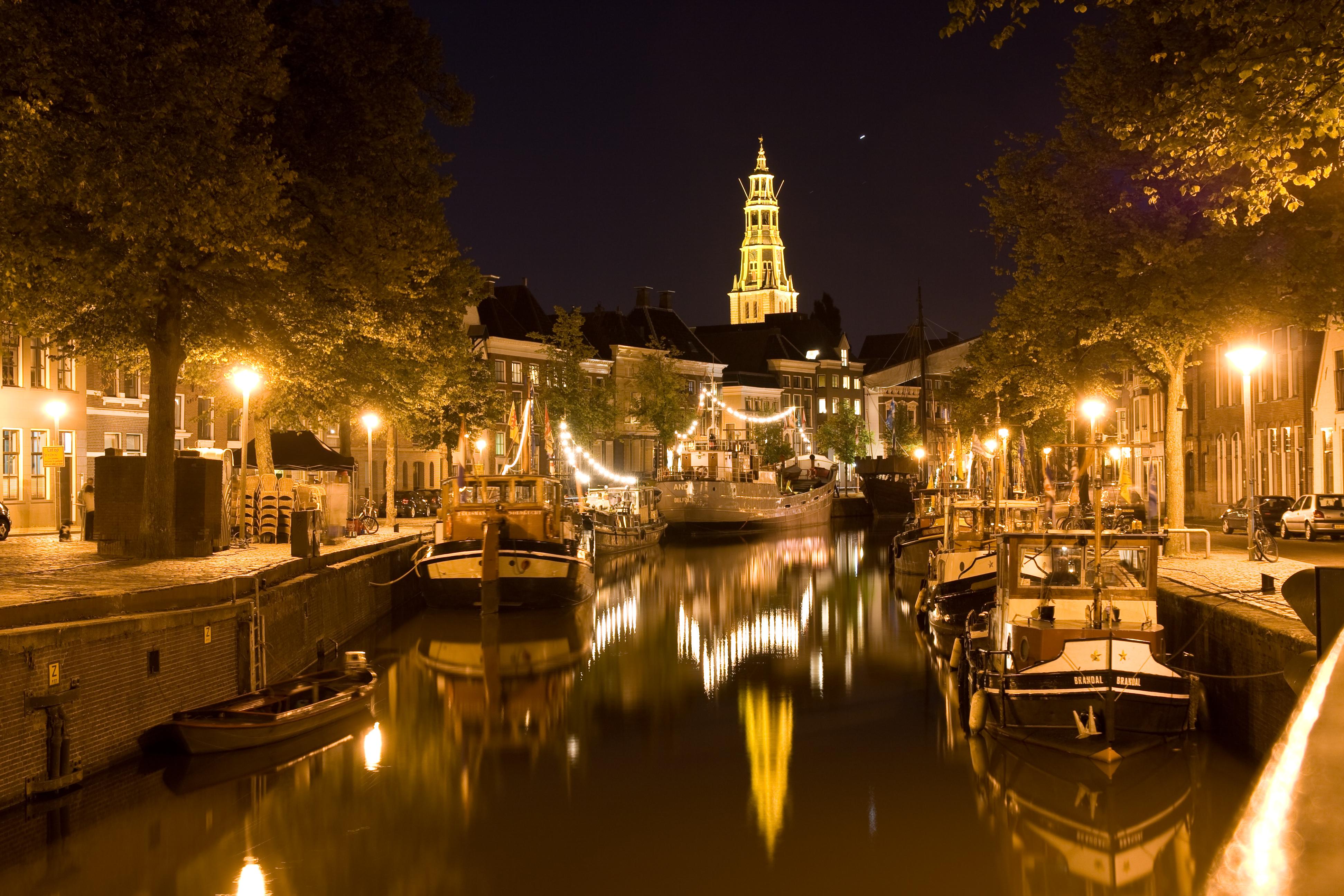 Groningen bei Nacht - Quelle: WikiCommons