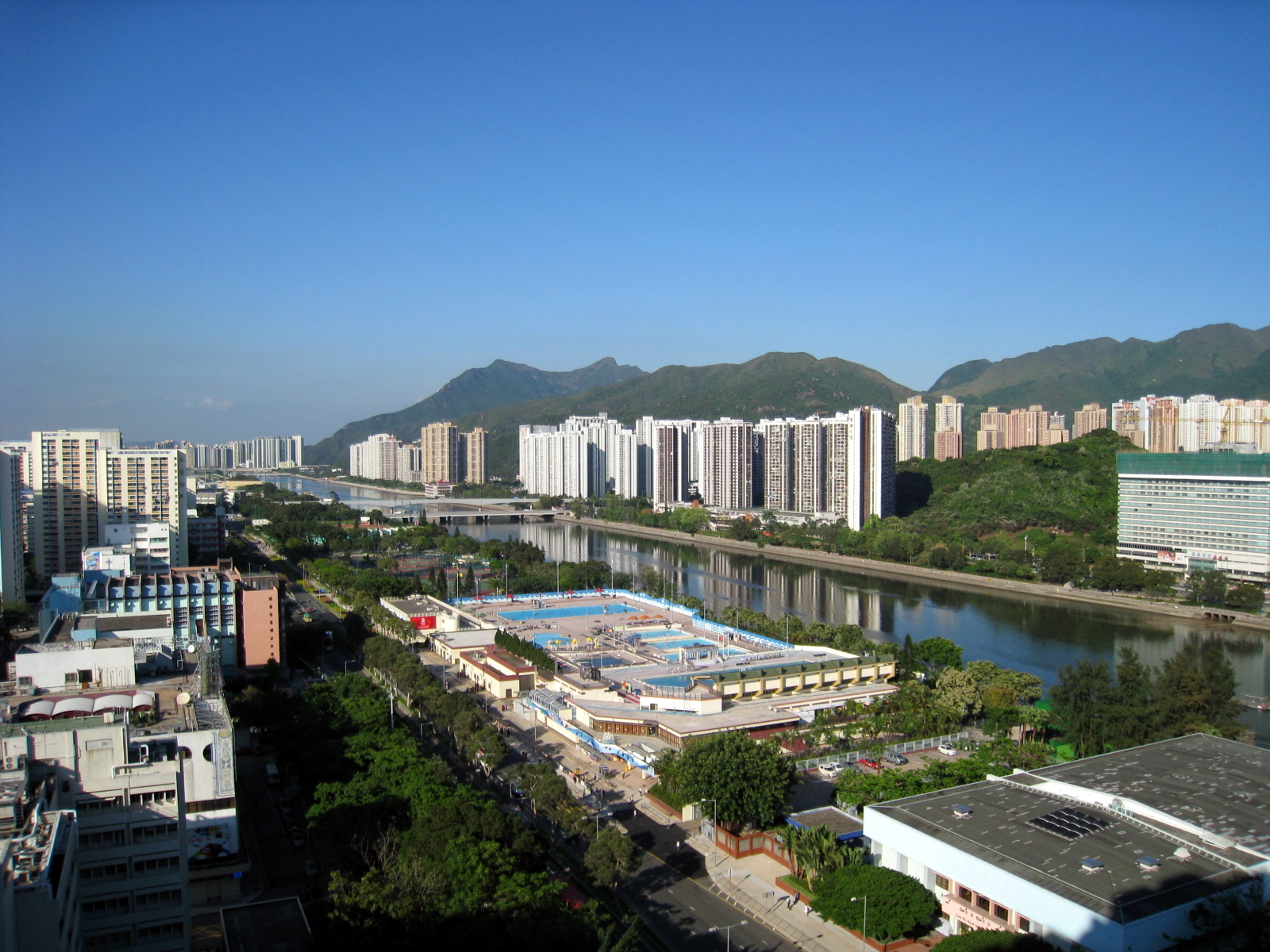 File:HK Shatin New Town 2008.jpg - Wikimedia Commons
