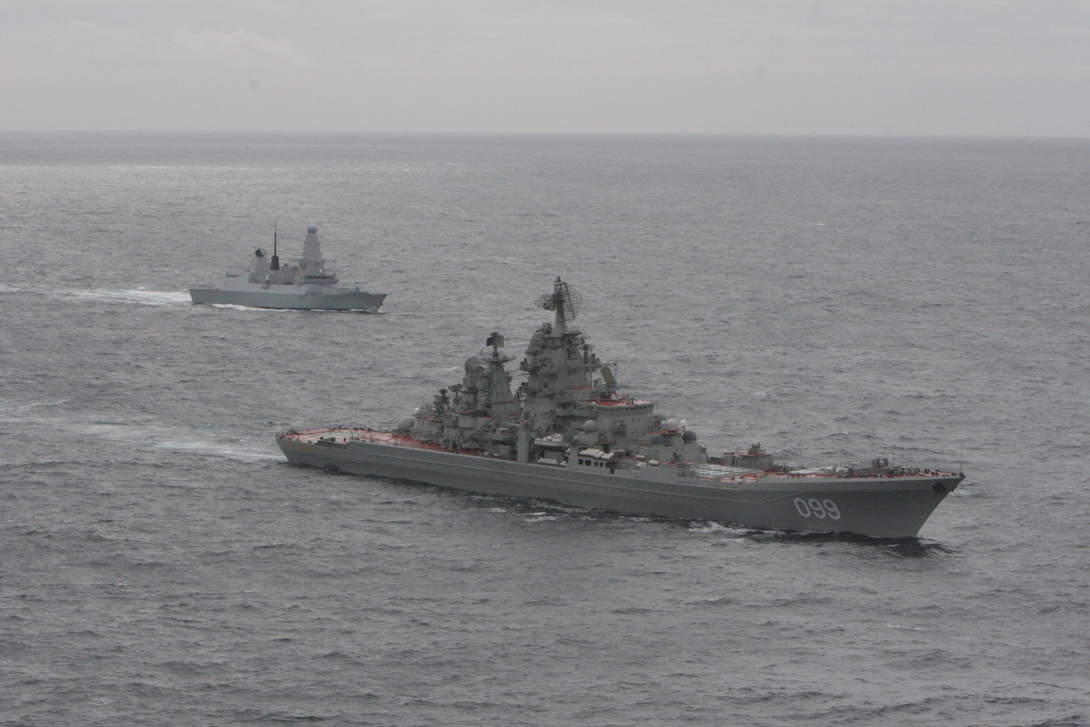 HMS_Dragon_with_Kirov_Class_'Pyotr_Velik