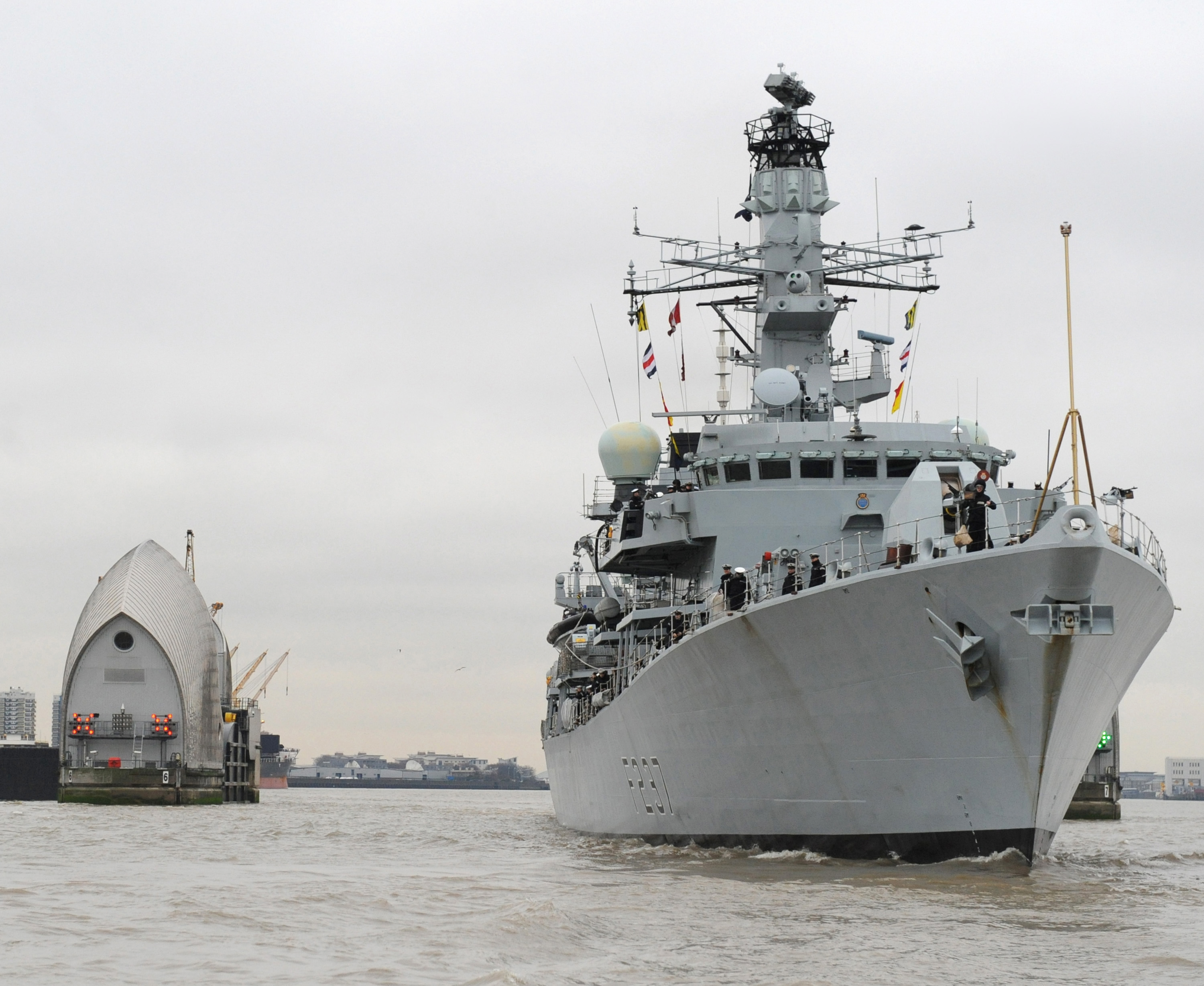http://upload.wikimedia.org/wikipedia/commons/5/53/HMS_Westminster_Visits_London_MOD_45152386.jpg