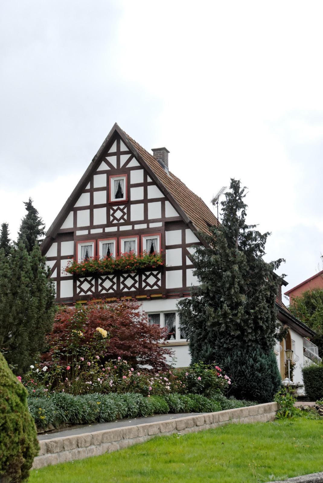 datei haus hohe bergstrasse 19 in lauterbach von wikipedia. Black Bedroom Furniture Sets. Home Design Ideas