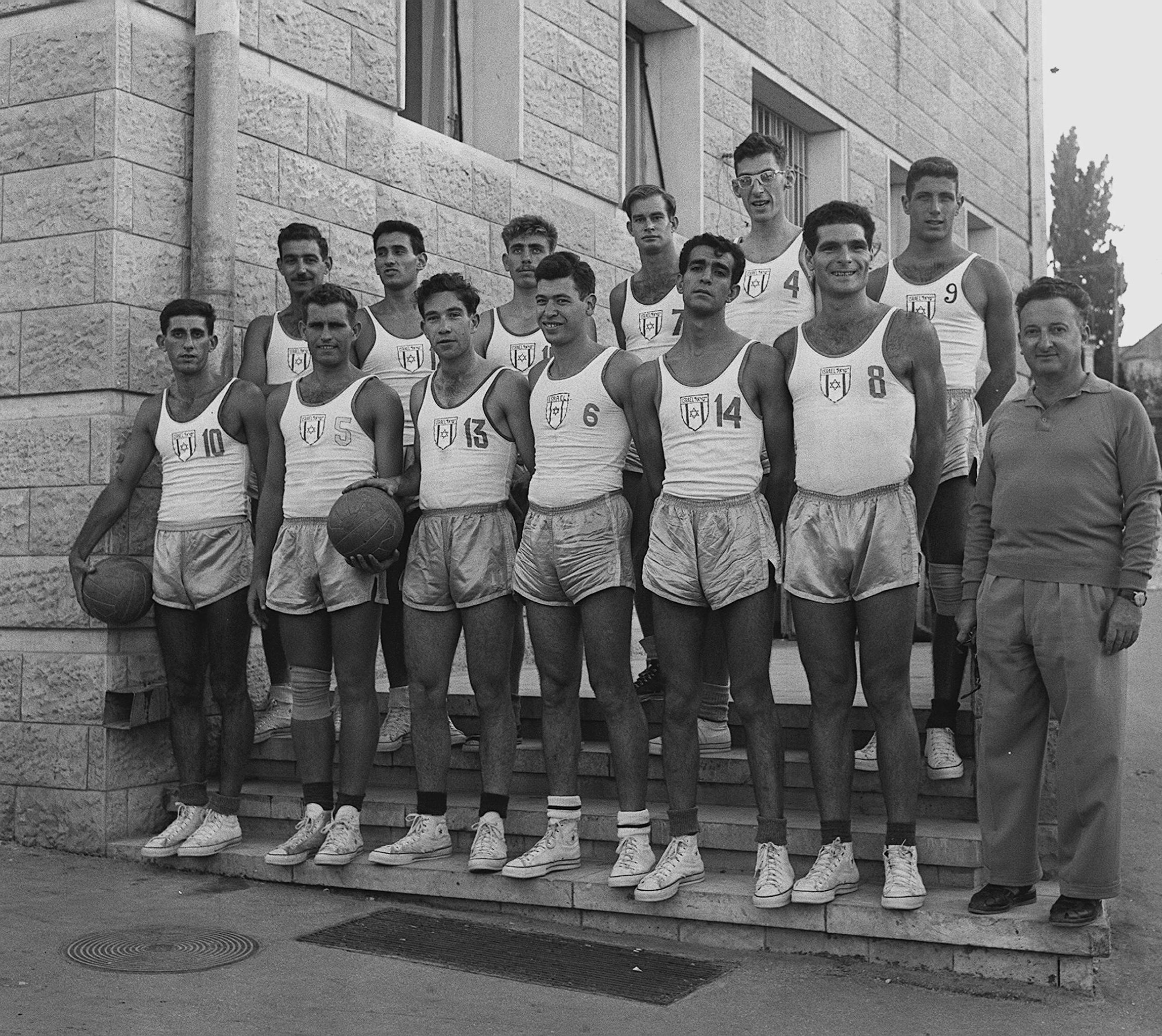ההיסטוריה של נבחרת ישראל באליפות אירופה (ועוד כמה הפתעות…) / אהרון שדה