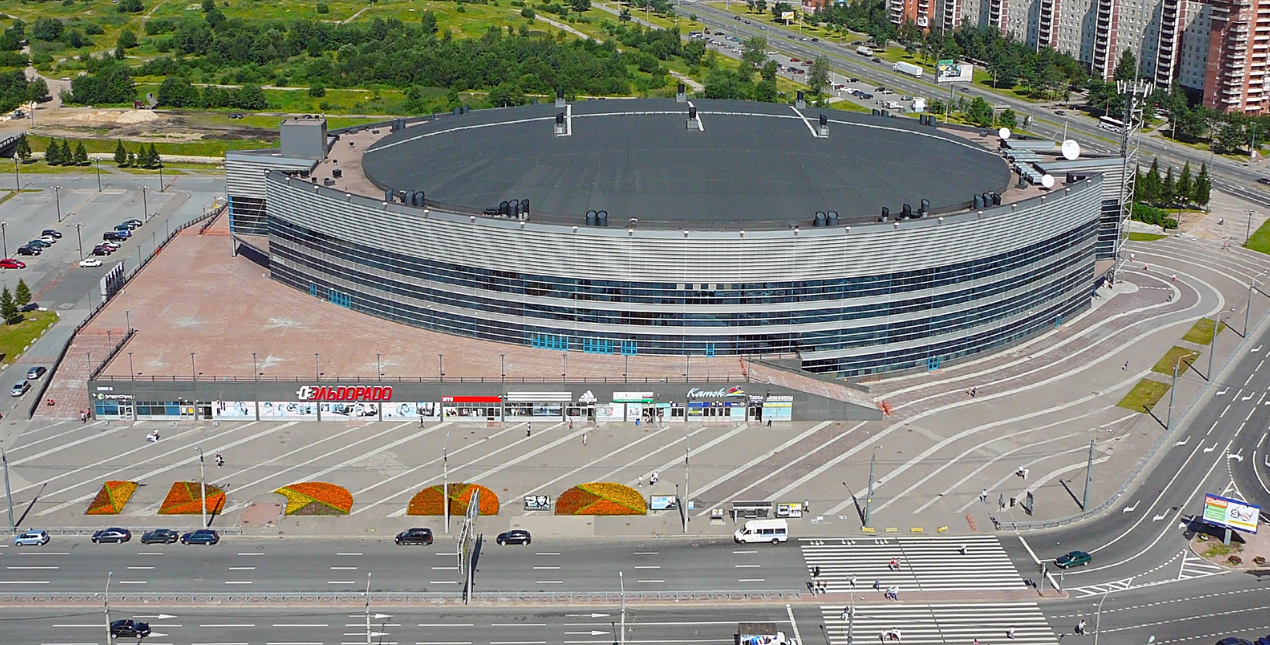 Ice Palace (Murmansk) - the center of entertainment and sports life of the city