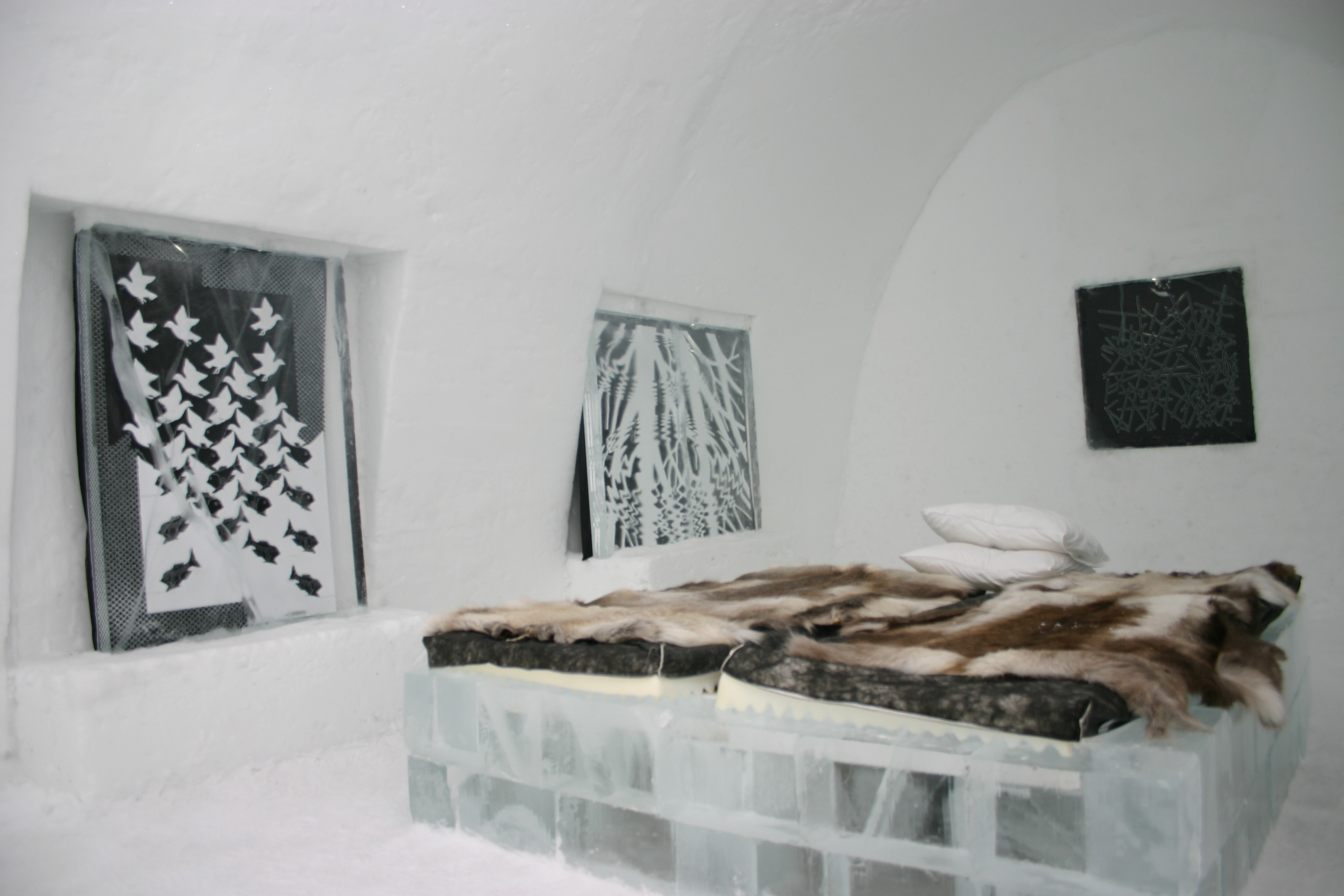 file icehotel se 27 jpg wikimedia commons. Black Bedroom Furniture Sets. Home Design Ideas