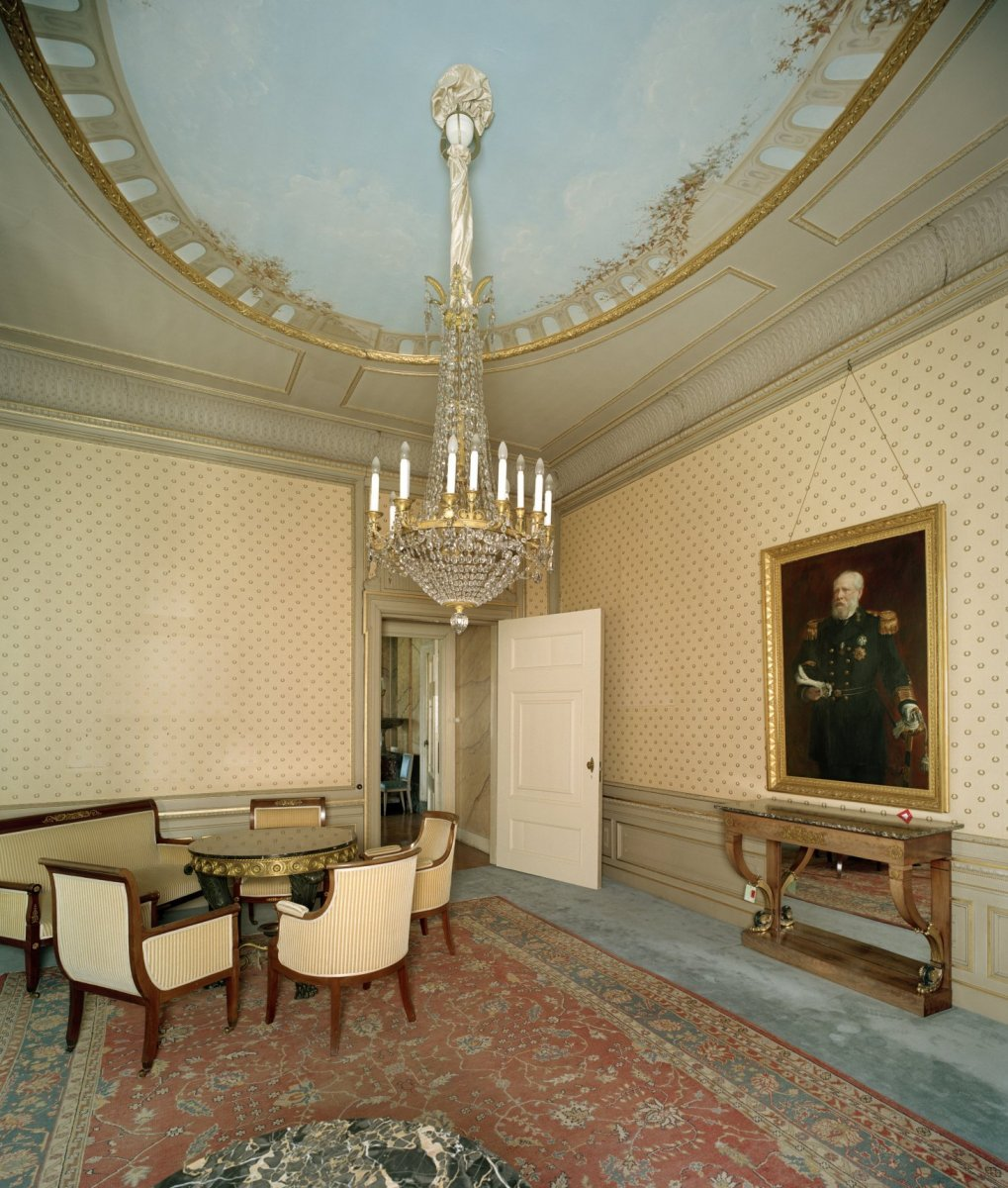 File Interieur Overzicht Van De Empire Salon Met