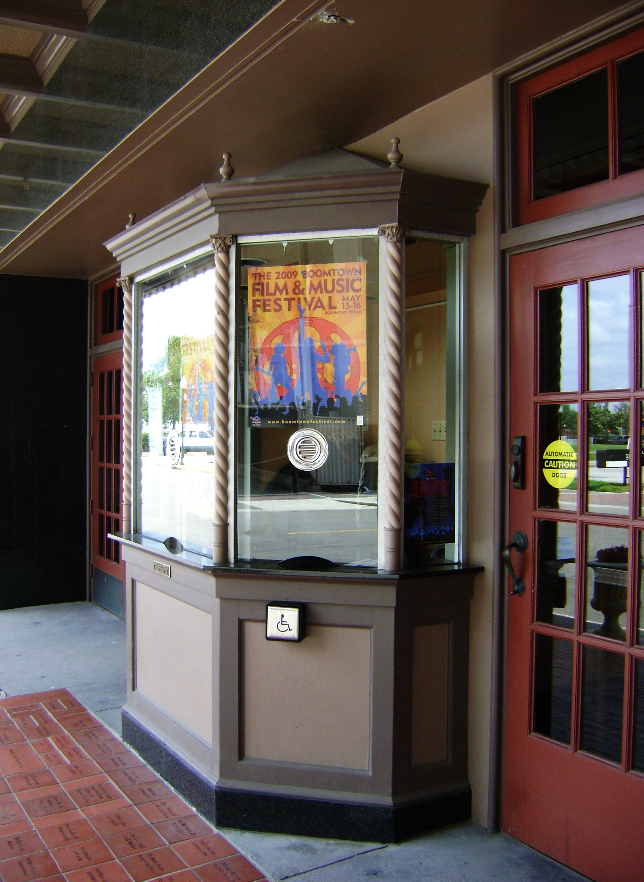 File:Jefferson Theatre, Ticket Booth, Beaumont, Texas ...