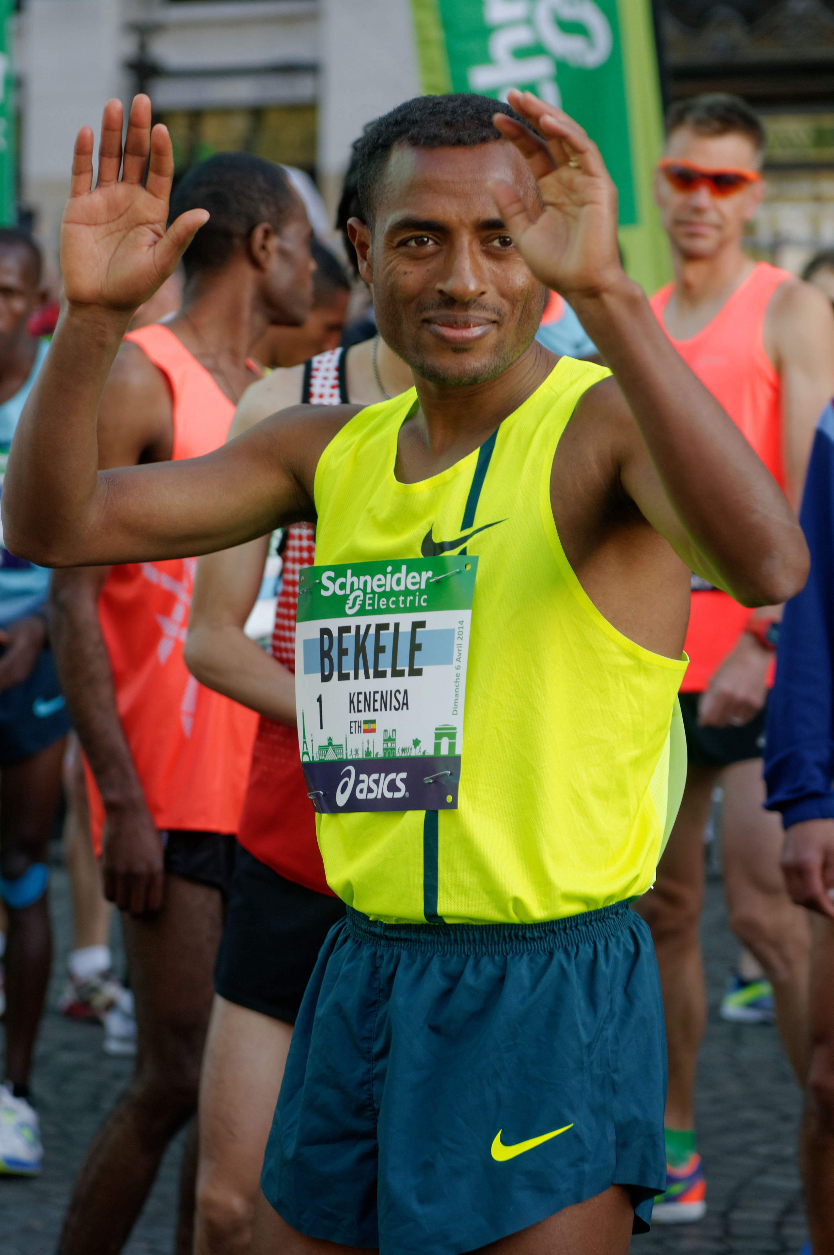 File:Kenenisa Bekele 2014 Paris Marathon t084500.jpg