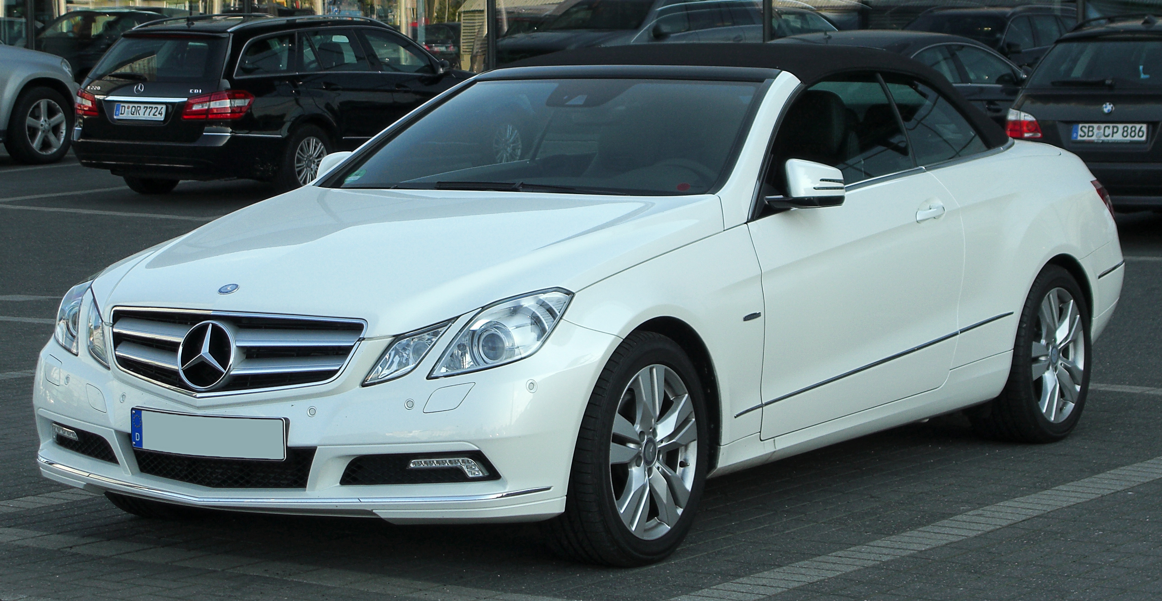 file mercedes e 350 cdi blueefficiency cabriolet a207 front wikimedia commons. Black Bedroom Furniture Sets. Home Design Ideas