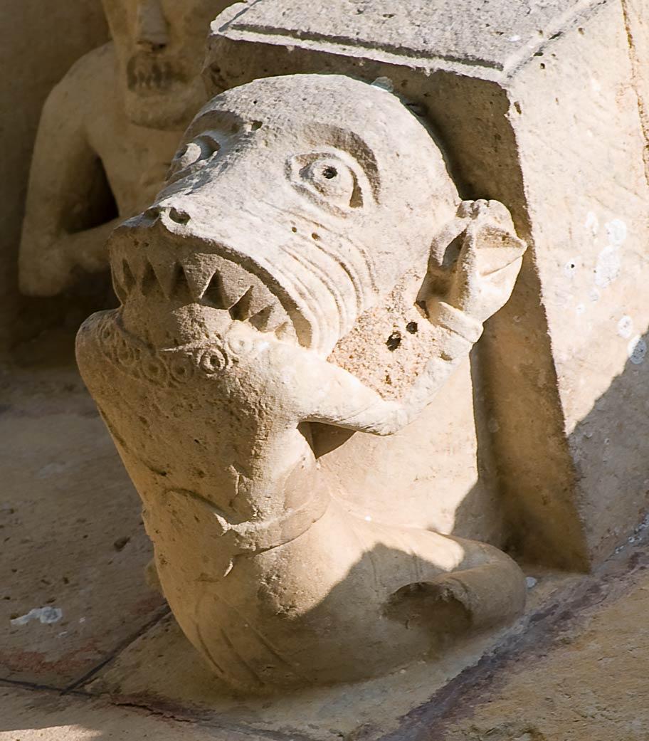 http://upload.wikimedia.org/wikipedia/commons/5/53/Monstre_devorant.jpg?uselang=fr