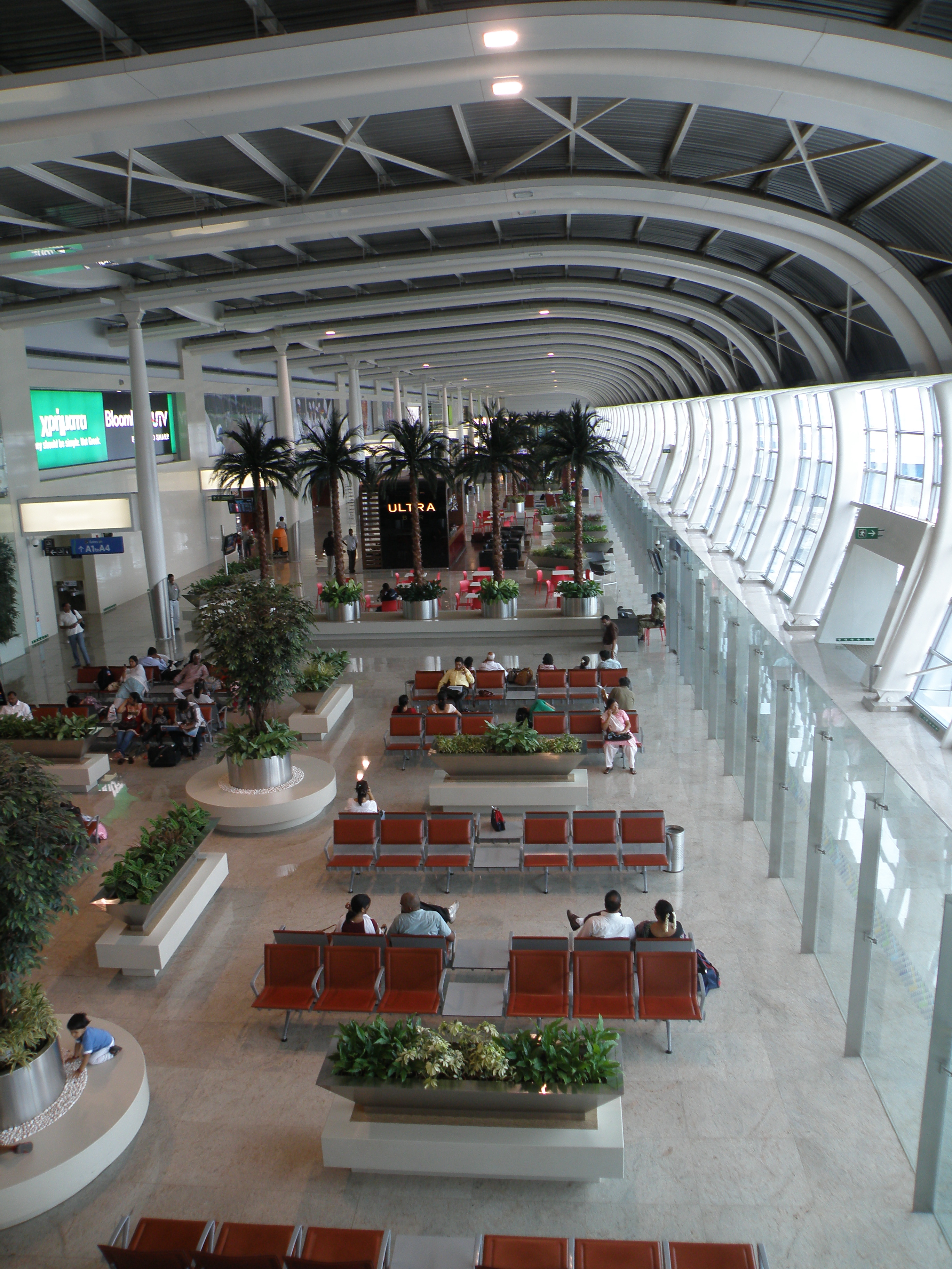 how to go from domestic to international airport mumbai