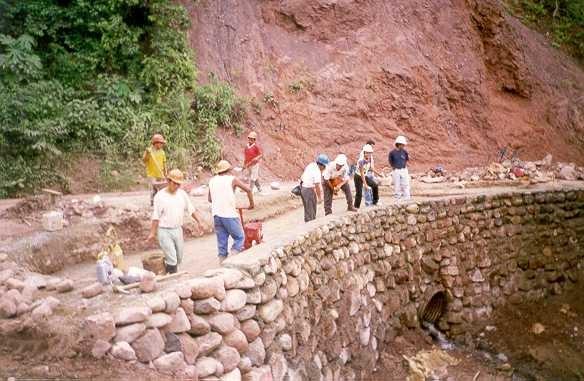 File muro de contenci n mamposteria en - Tipos de mamposteria de piedra ...