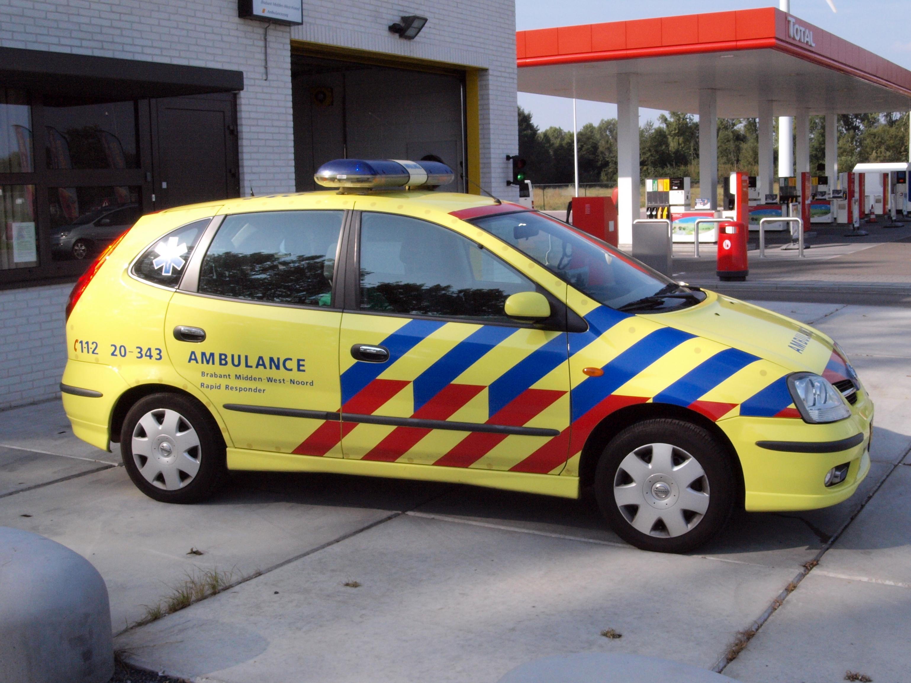 File Nissan Ambulance Brabant Midden West Noord Rapid