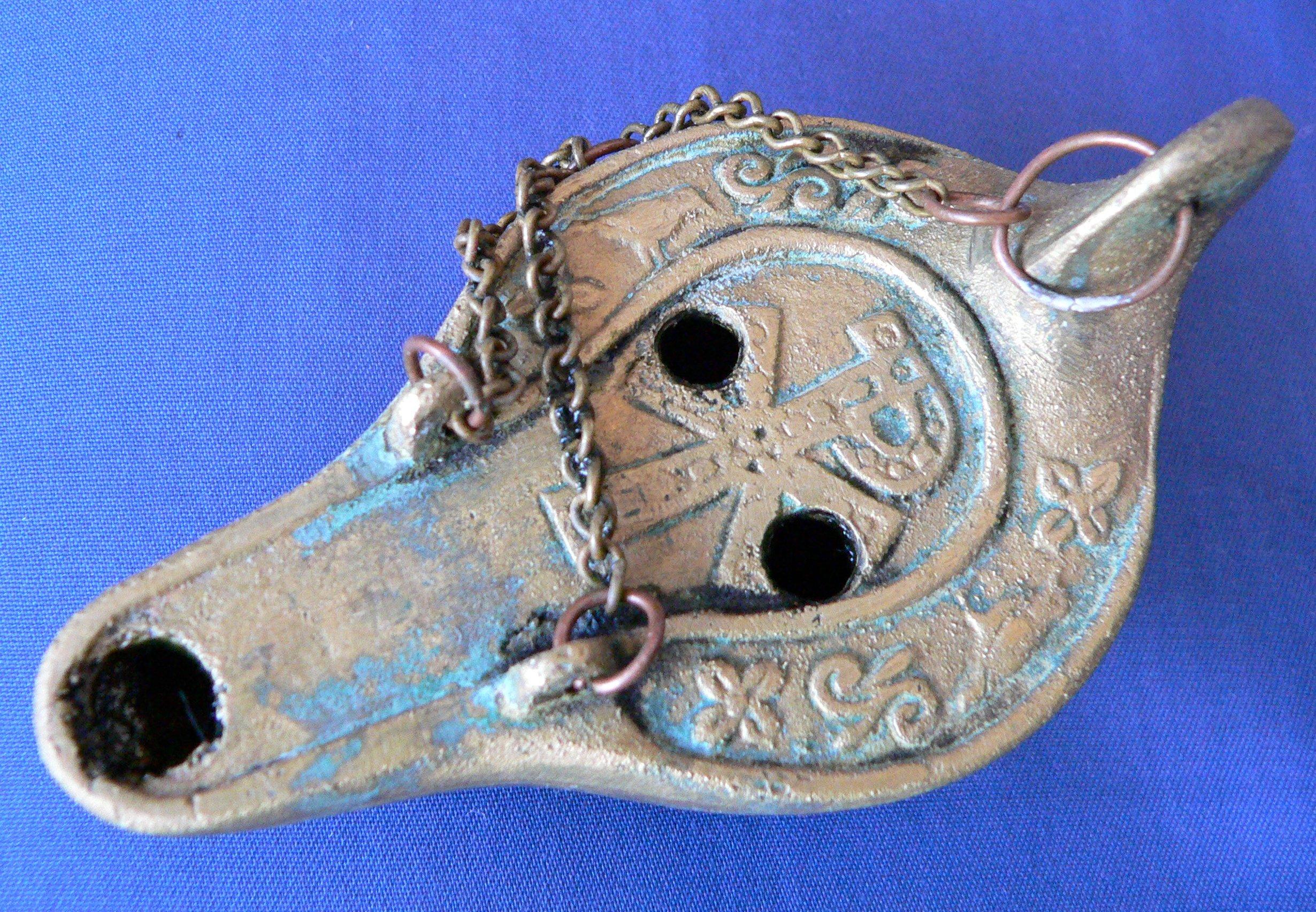Fileoil lamp christian symbolg wikimedia commons fileoil lamp christian symbolg buycottarizona