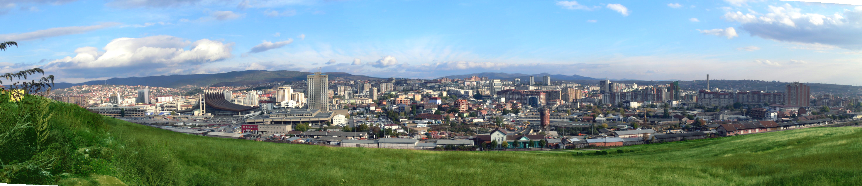 Overview of the city of Pristina from the hill.jpg
