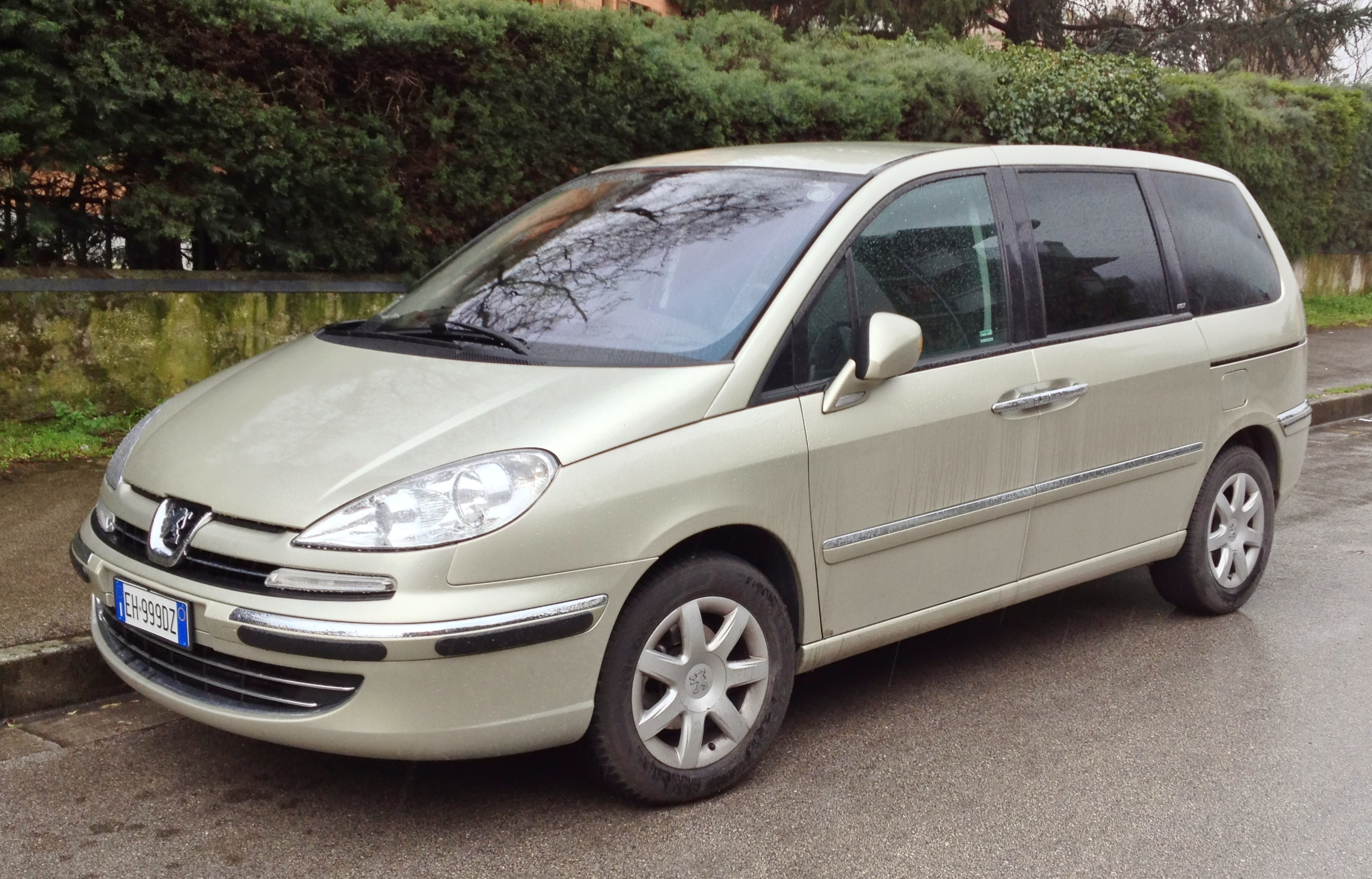 file peugeot 807 2 2 hdi jpg wikimedia commons