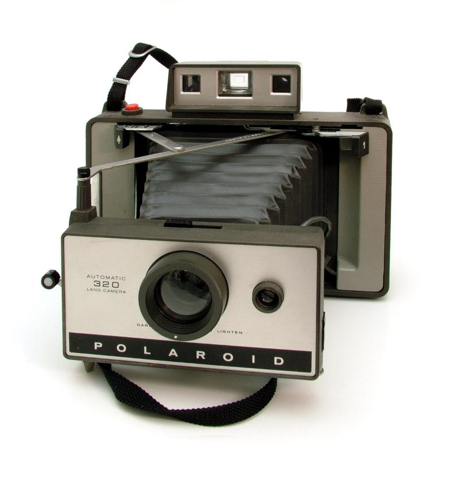 File:Polaroid Land Camera 320.jpg - Wikimedia Commons