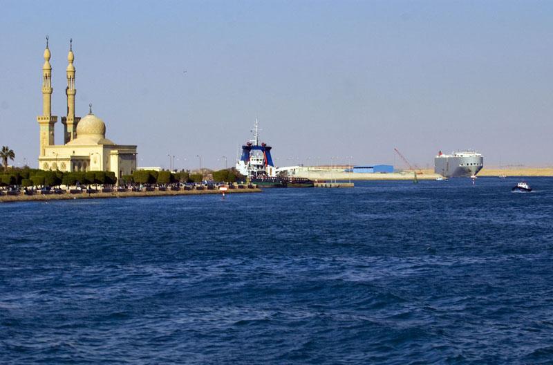 File:Port Suez.jpg