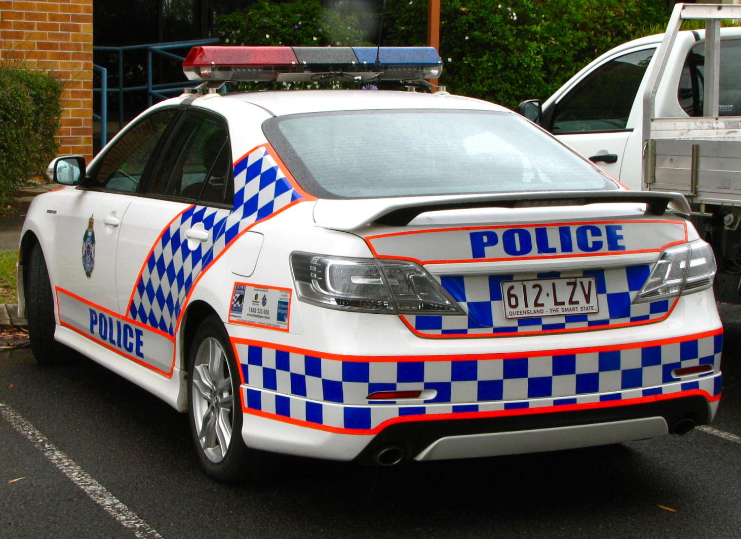 file queensland police toyota aurion sportivo v6   flickr