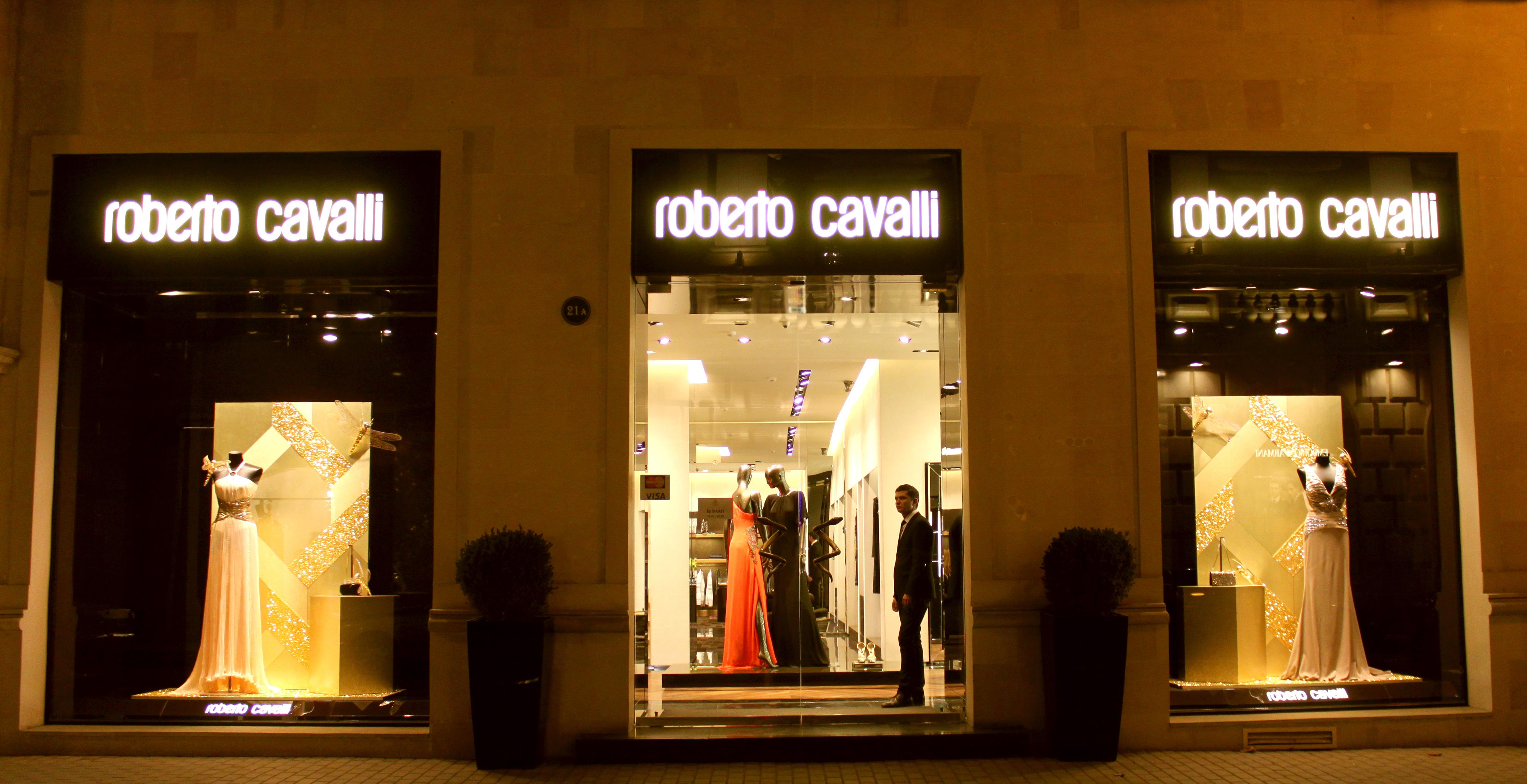 File:Roberto Cavalli boutique in Baku.JPG - Wikimedia Commons