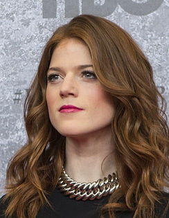 Rose Leslie på premiären av tredje säsongen av Game of Thrones