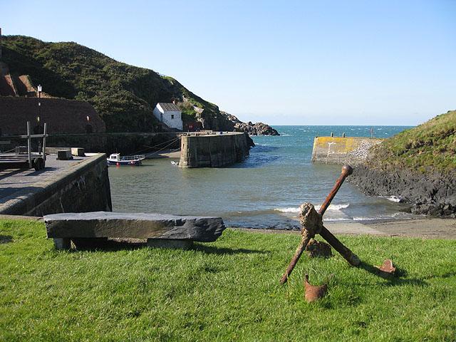 File:Rusting anchor, Porthgain - geograph.org.uk - 1524078.jpg