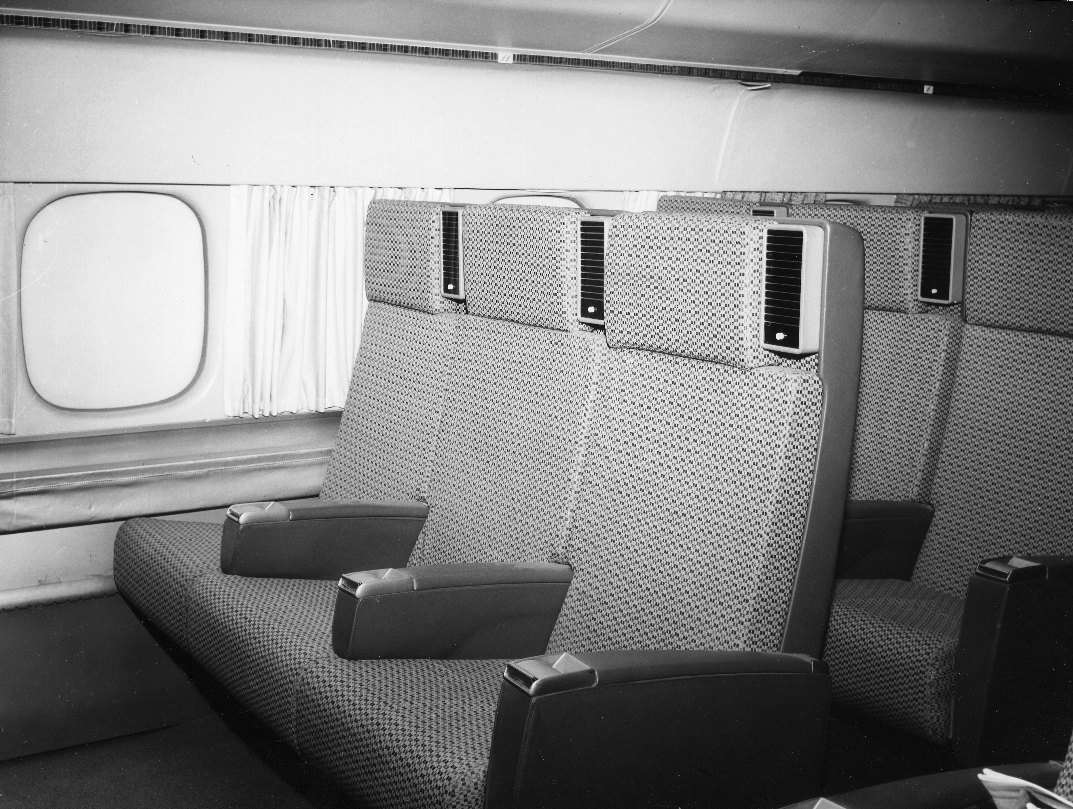 File:SAS DC-8-33 Interior and design before delivery ...