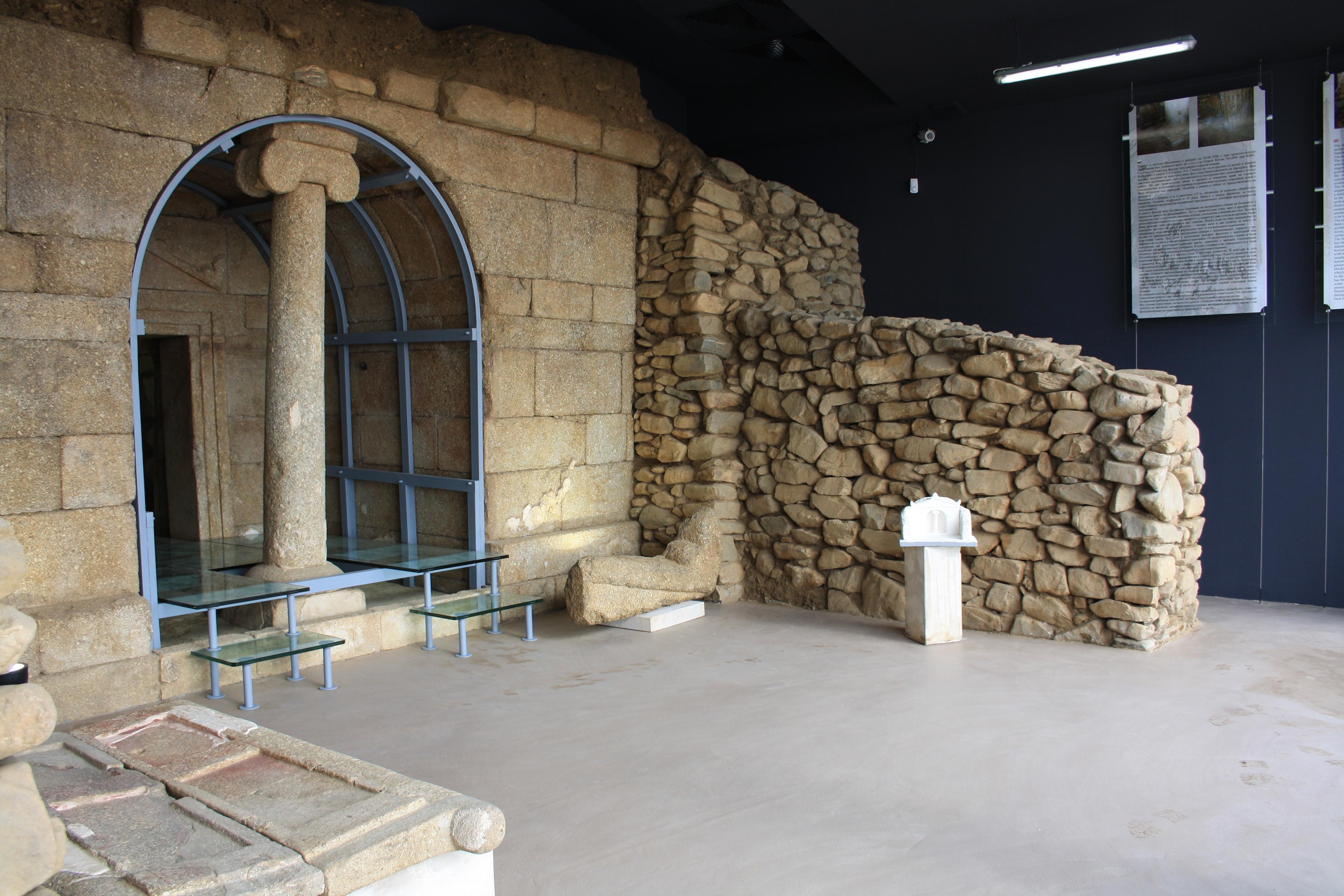 Shoushmanetz thracian tomb