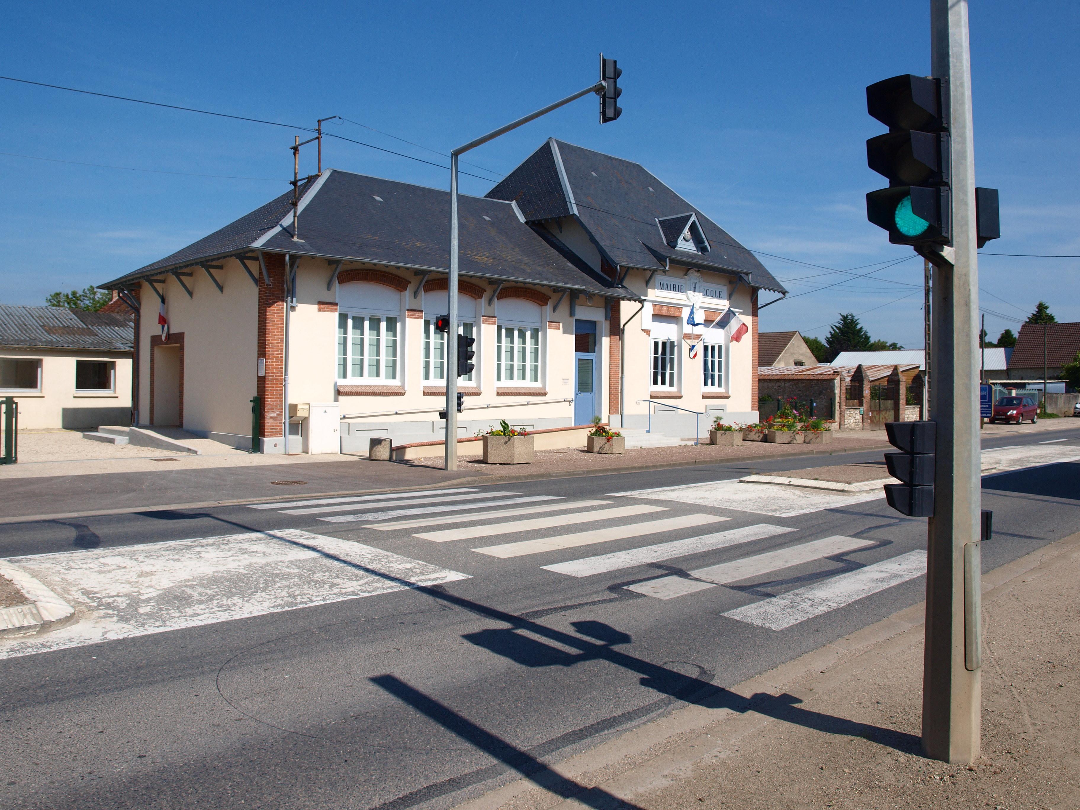File Solterre-FR-45- La Commodité-mairie-02.jpg - Wikimedia Commons cde2f1e548bc