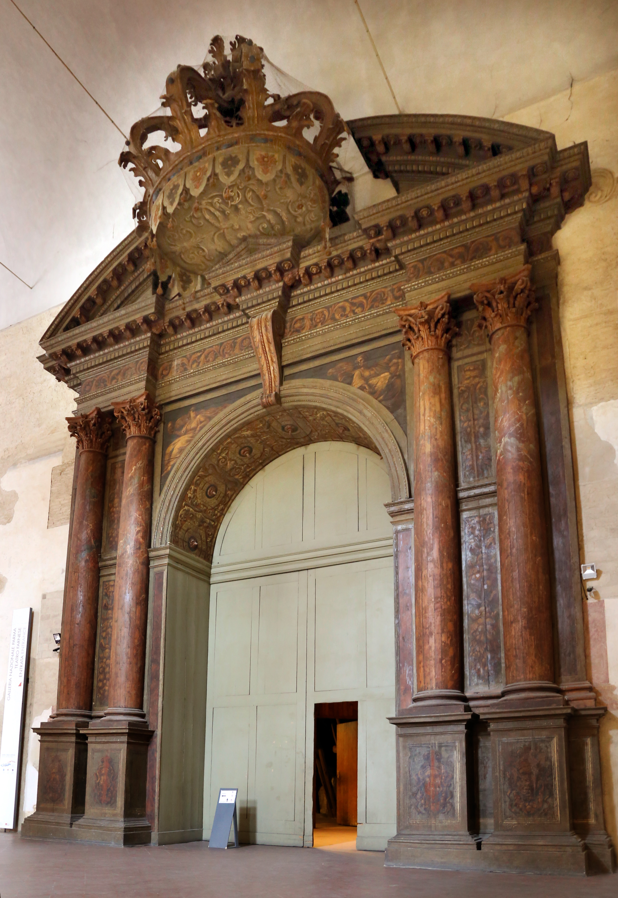 Ingresso del Teatro Farnese