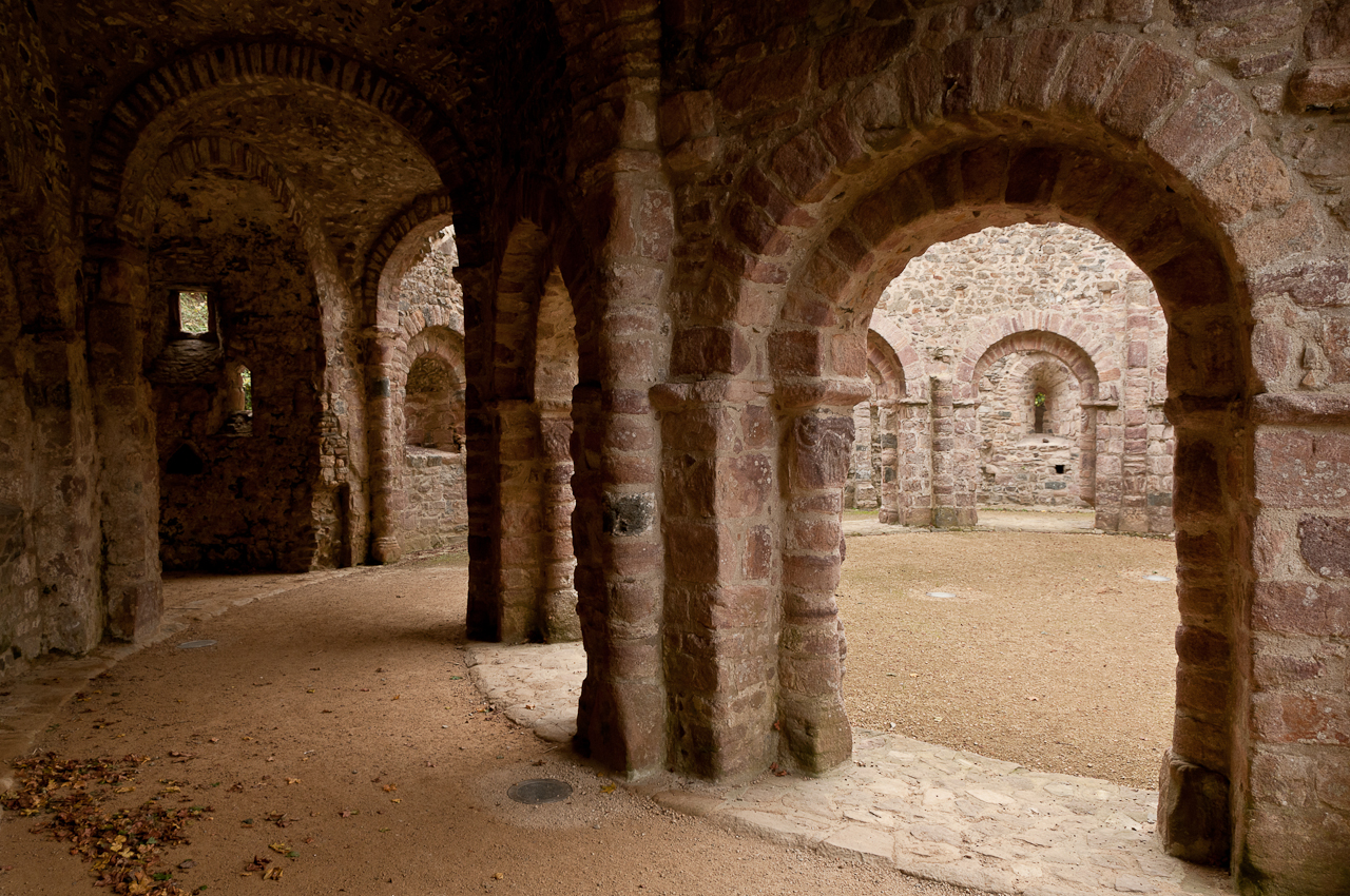Datei:Temple de Lanleff vue intérieur Est vers Sud.jpg – Wikipedia