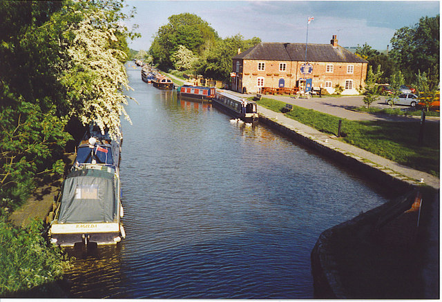 The Kennet and Avon Canal at Pewsey Wharf. - geograph.org.uk - 187177