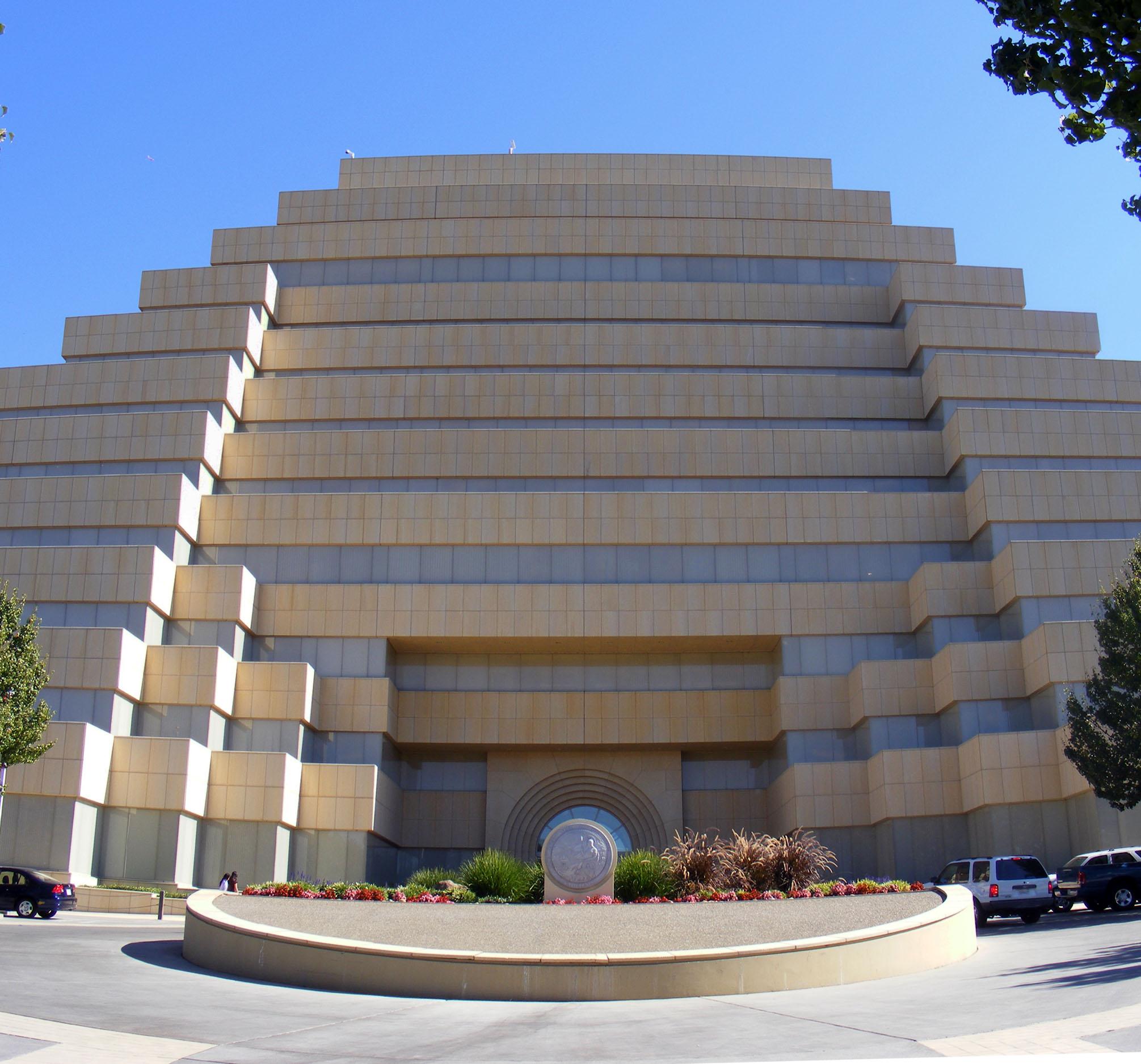 filethe ziggurat in west sacramento cajpg wikimedia