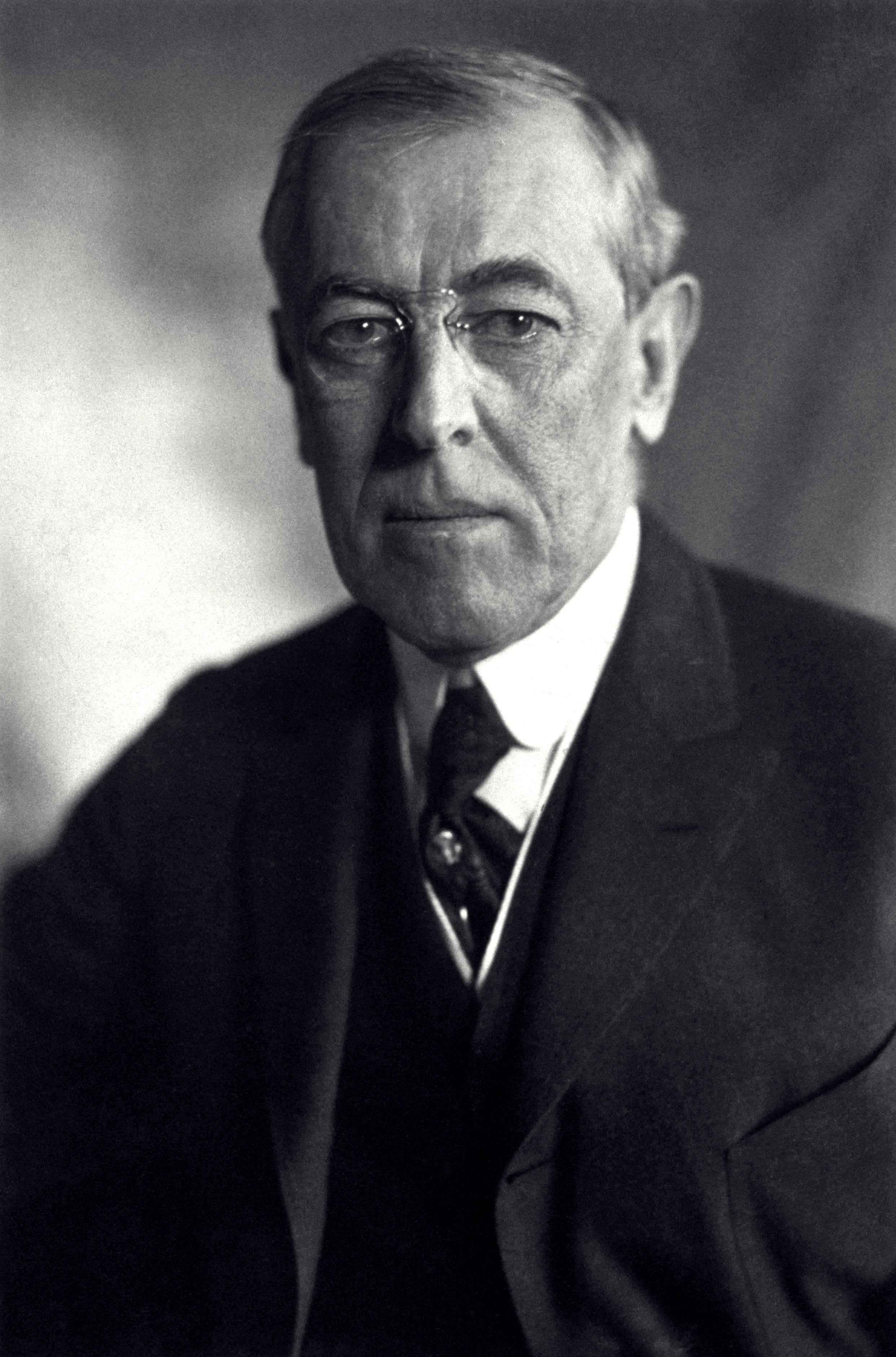 1912, année d'élections aux USA Thomas_Woodrow_Wilson%2C_Harris_%26_Ewing_bw_photo_portrait%2C_1919