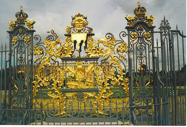 File:Tijou Screen, Hampton Court - geograph.org.uk - 256363.jpg