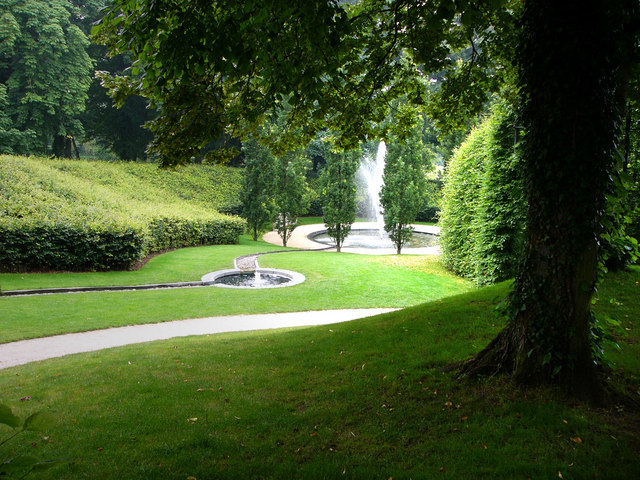 Water feature, Alnwick Garden - geograph.org.uk - 919258