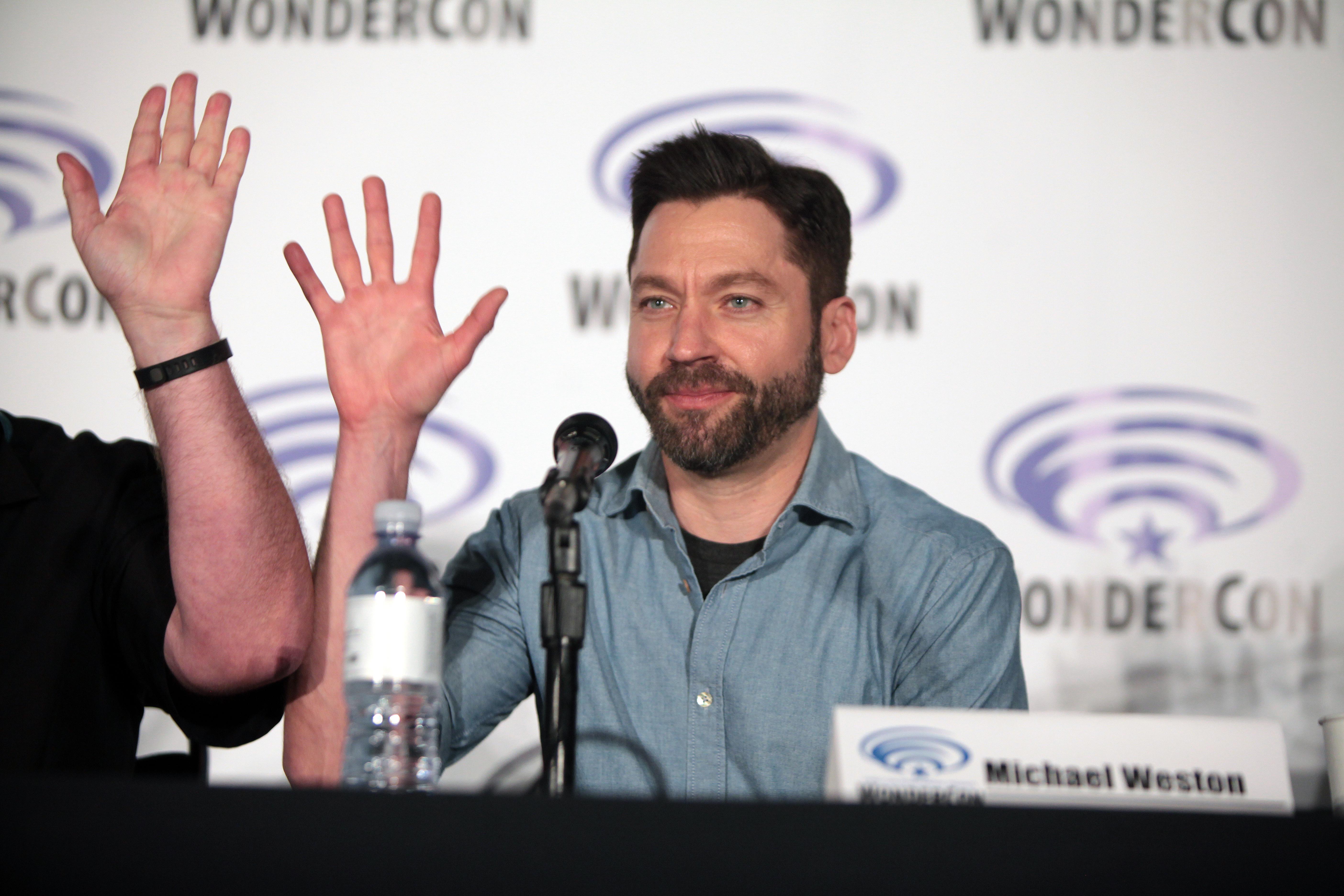 File:WonderCon 2016 - Houdini and Doyle panel - Michael