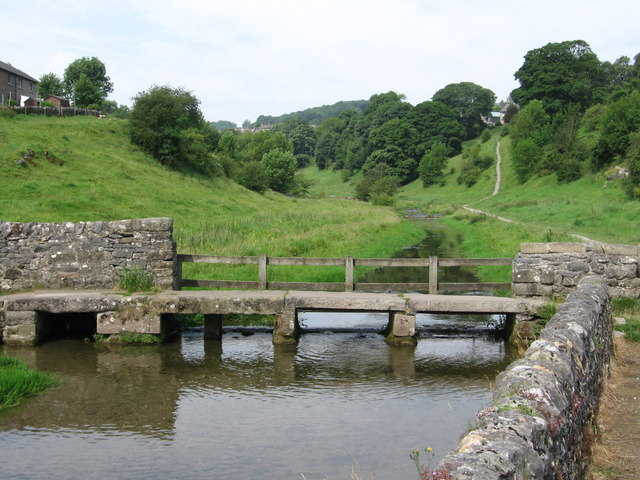 Youlgrave - footbridge at bottom of Bradford Road - geograph.org.uk - 907376