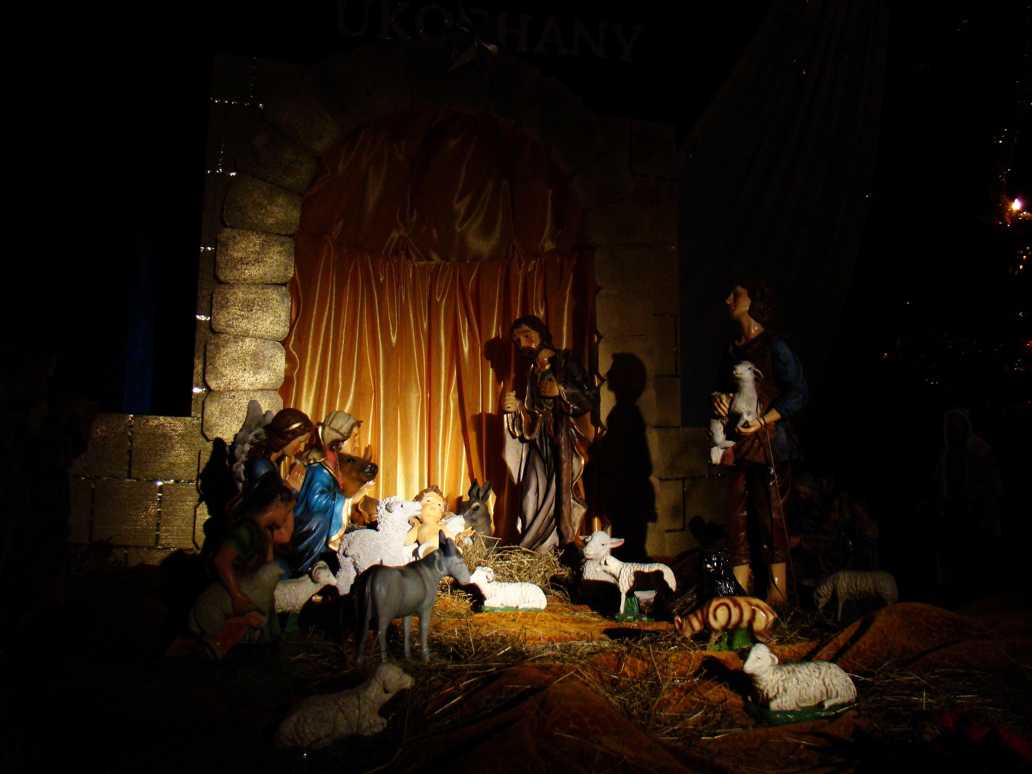File:04649 Nativity scene at the Christ the King Church in Sanok, 2010 ...