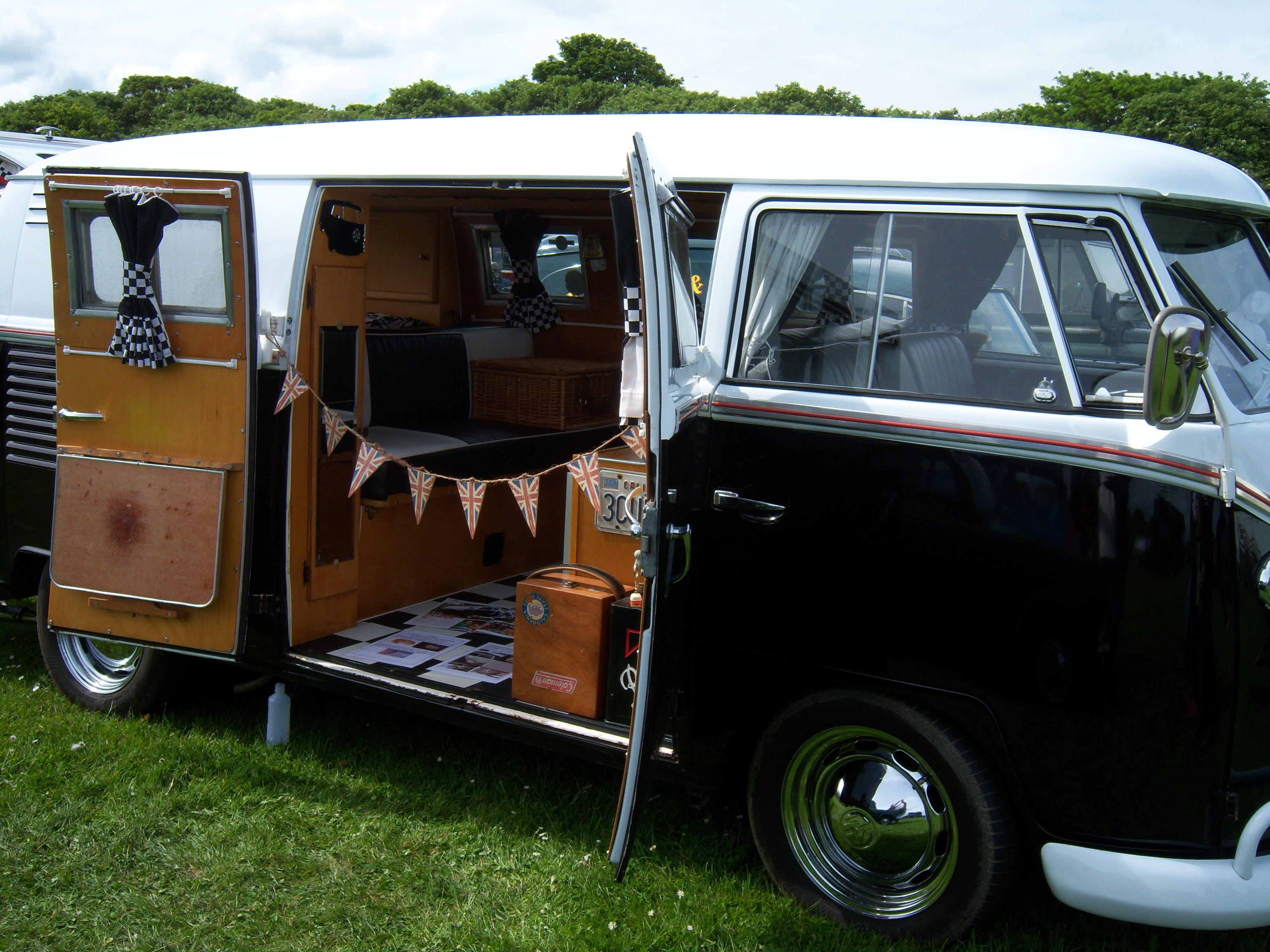 File 1962 Volkswagen Type 2 918 Xuf Camper Van 2012