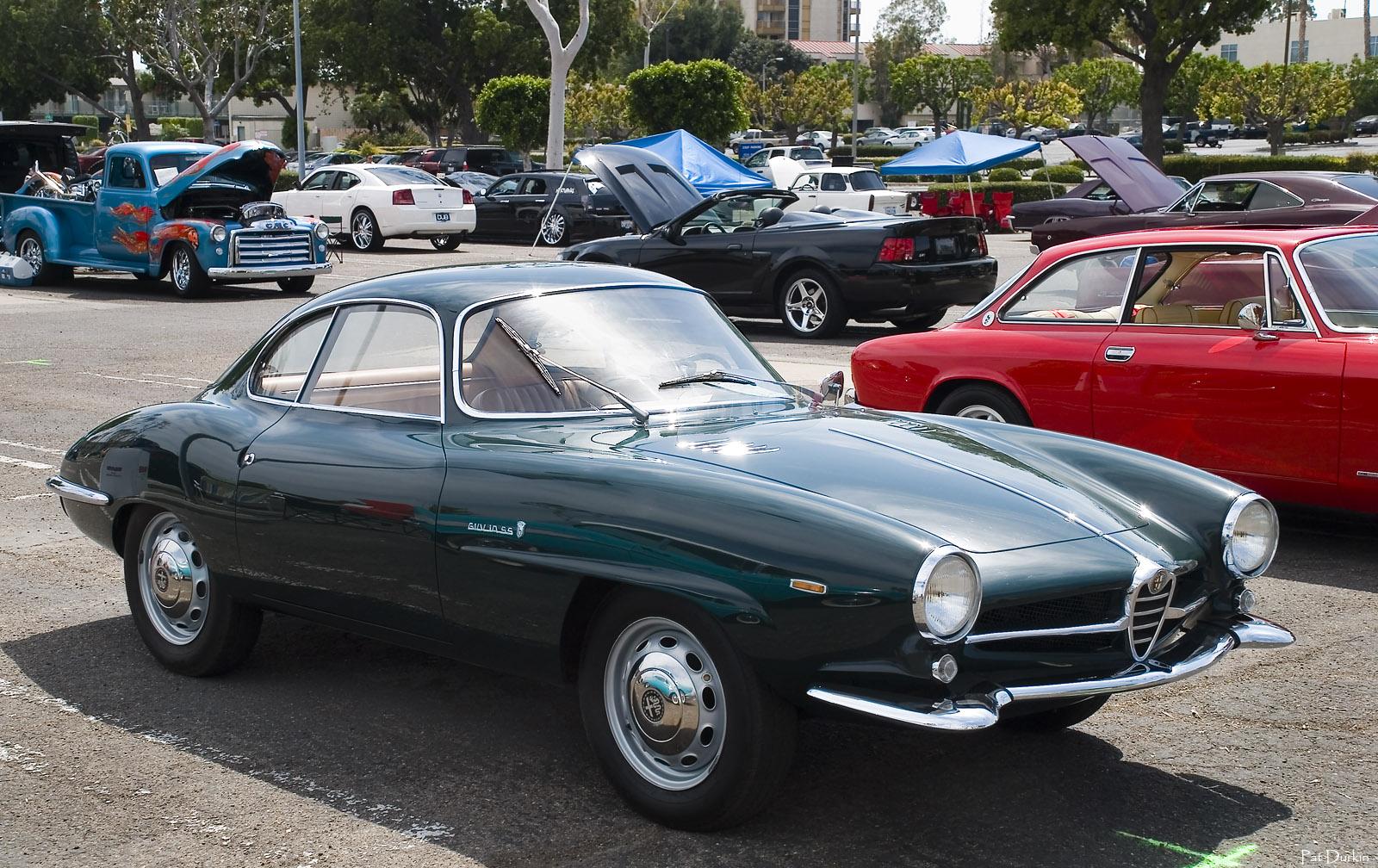 1964_Alfa_Romeo_Giulia_Sprint_Speciale_-_green_-_fvr.jpg