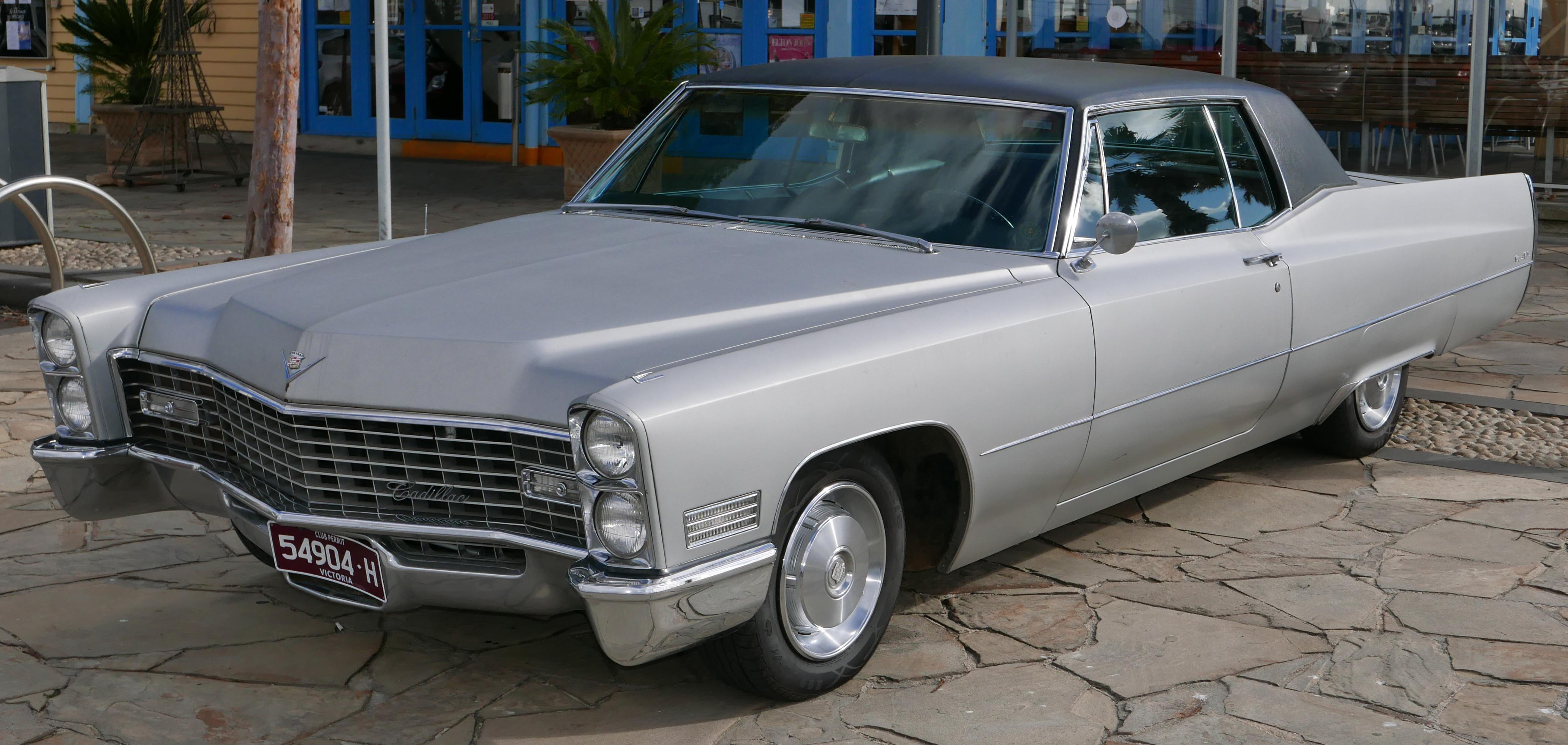 Cadillac Convertible 2015 >> File:1967 Cadillac Coupe de Ville 2-door hardtop (2015-08 ...