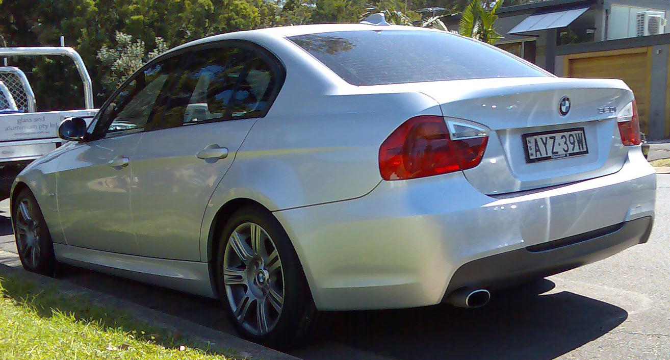 File:2005-2008 BMW 320i (E90) sedan 04.jpg