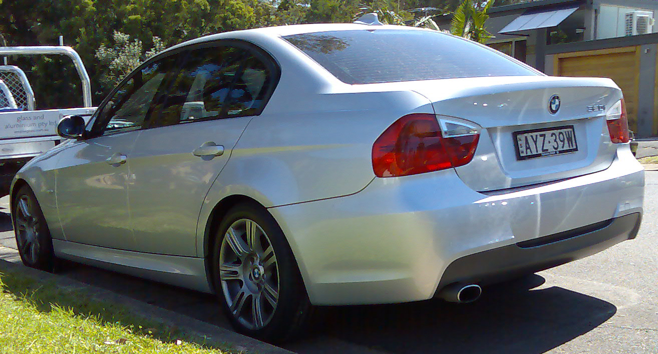 Bmw E90 Wiki >> File:2005-2008 BMW 320i (E90) sedan 04.jpg - Wikimedia Commons