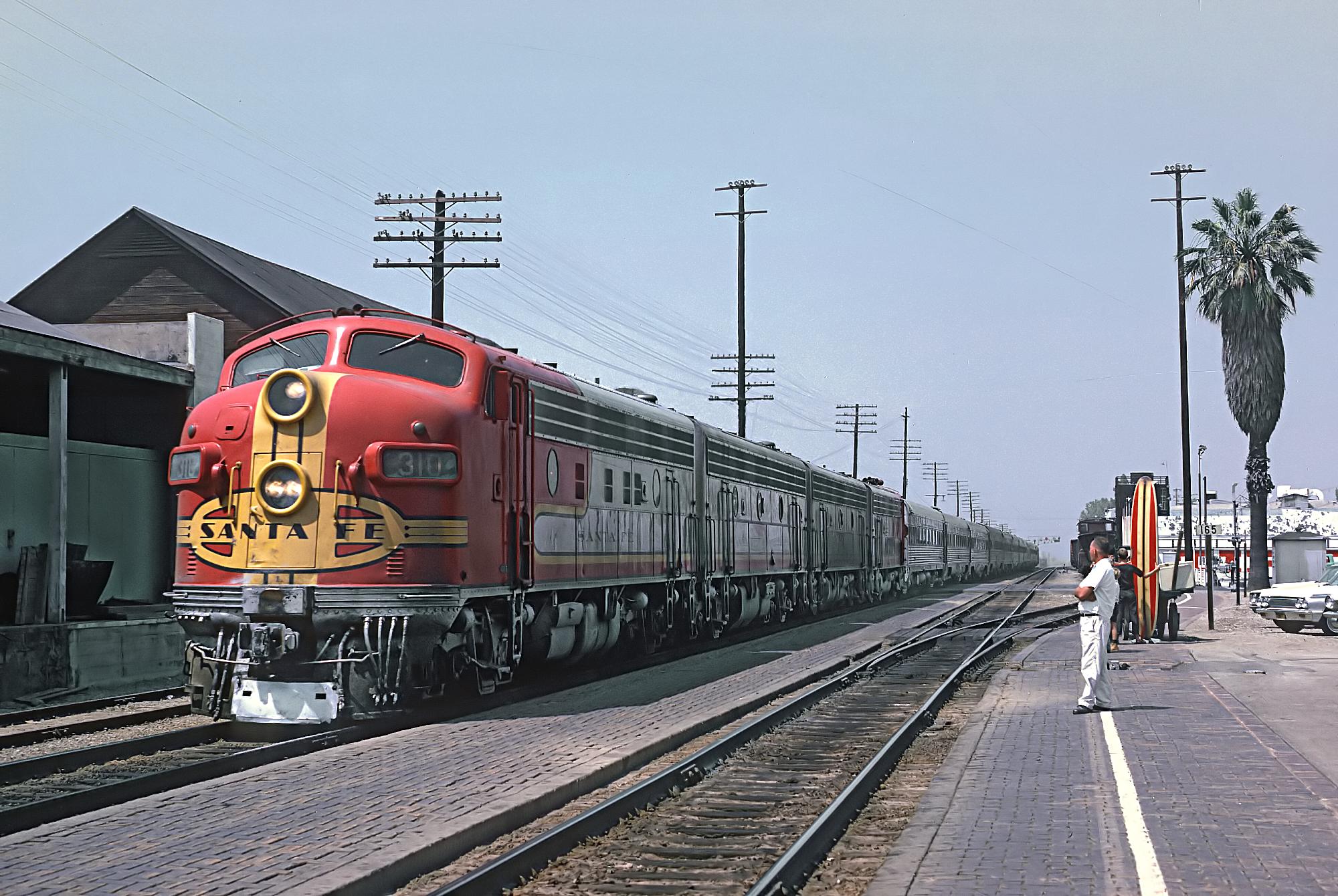 File:ATSF F7A 310L with Train -76, The San Diegan (consist ...