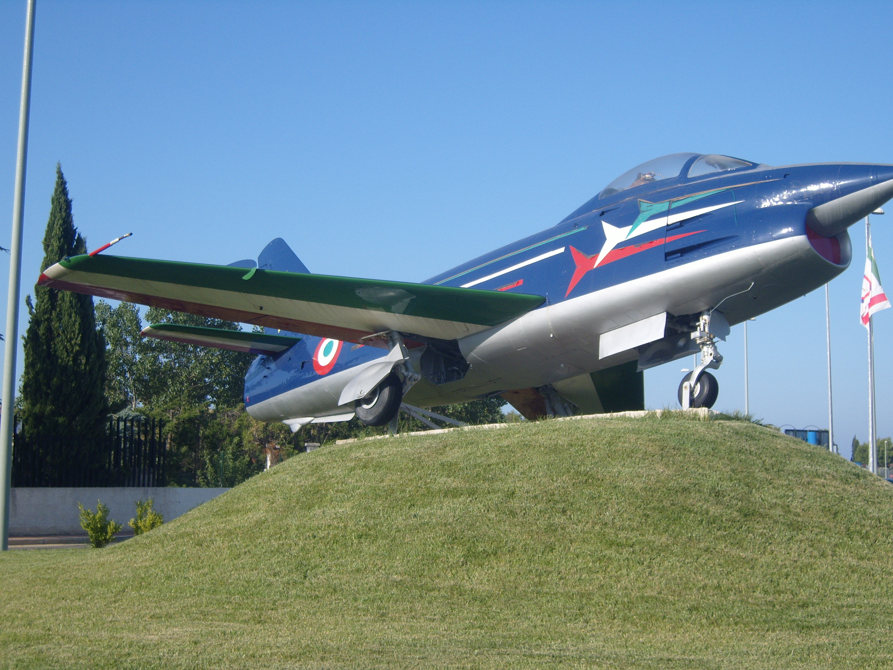Aeroporto Brindisi : File aeroporto di brindisi modellino lato g wikimedia commons