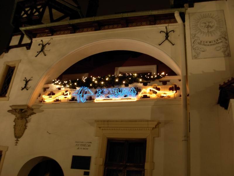 File:Aleja Lubomirskich- zima 2007 w nocy - panoramio - piotrgreat (1).jpg
